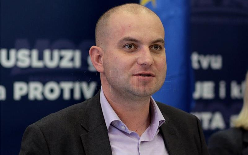 MIROSLAV ŠIMIĆ 'Pokušaj podmićivanja novinara je veliki skandal'