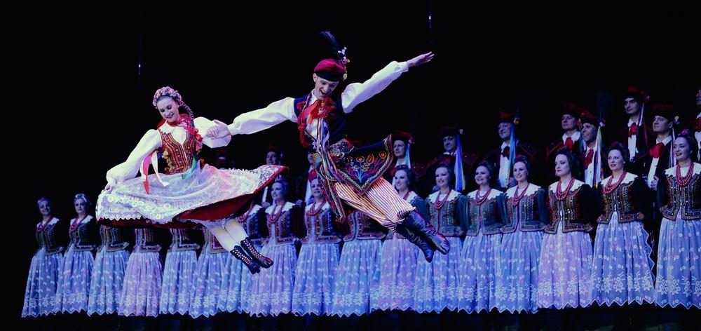KD LISINSKI Čarolija poljskih i hrvatskih tradicijskih plesova i napjeva