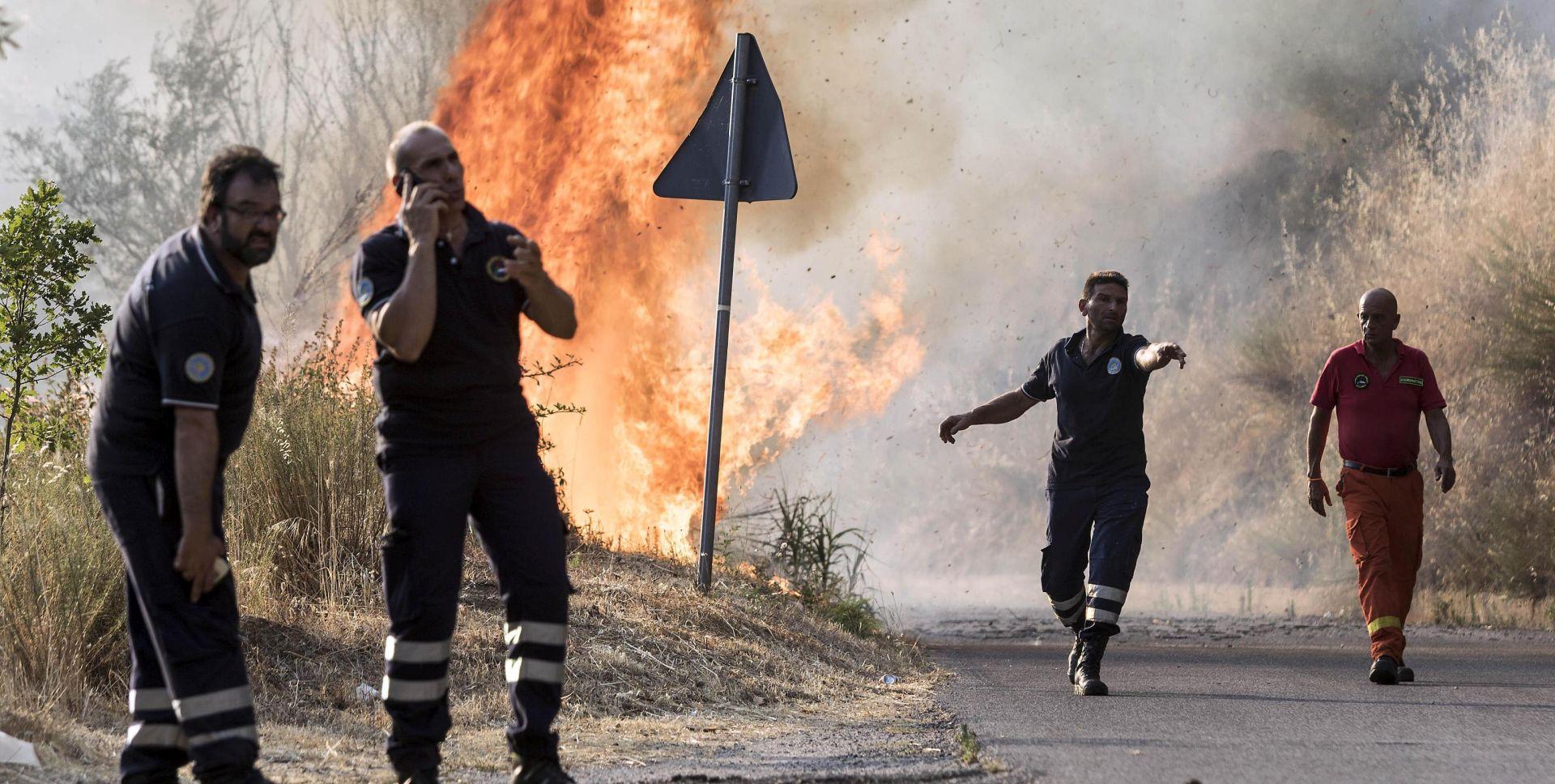 Volonteri na Siciliji podmetali požare radi novca