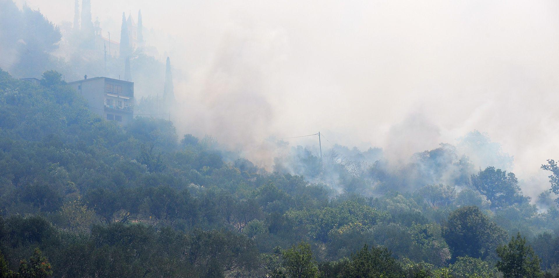 DUGI RAT Zbog požara na odlagalištu otpada 180 tisuća kuna štete
