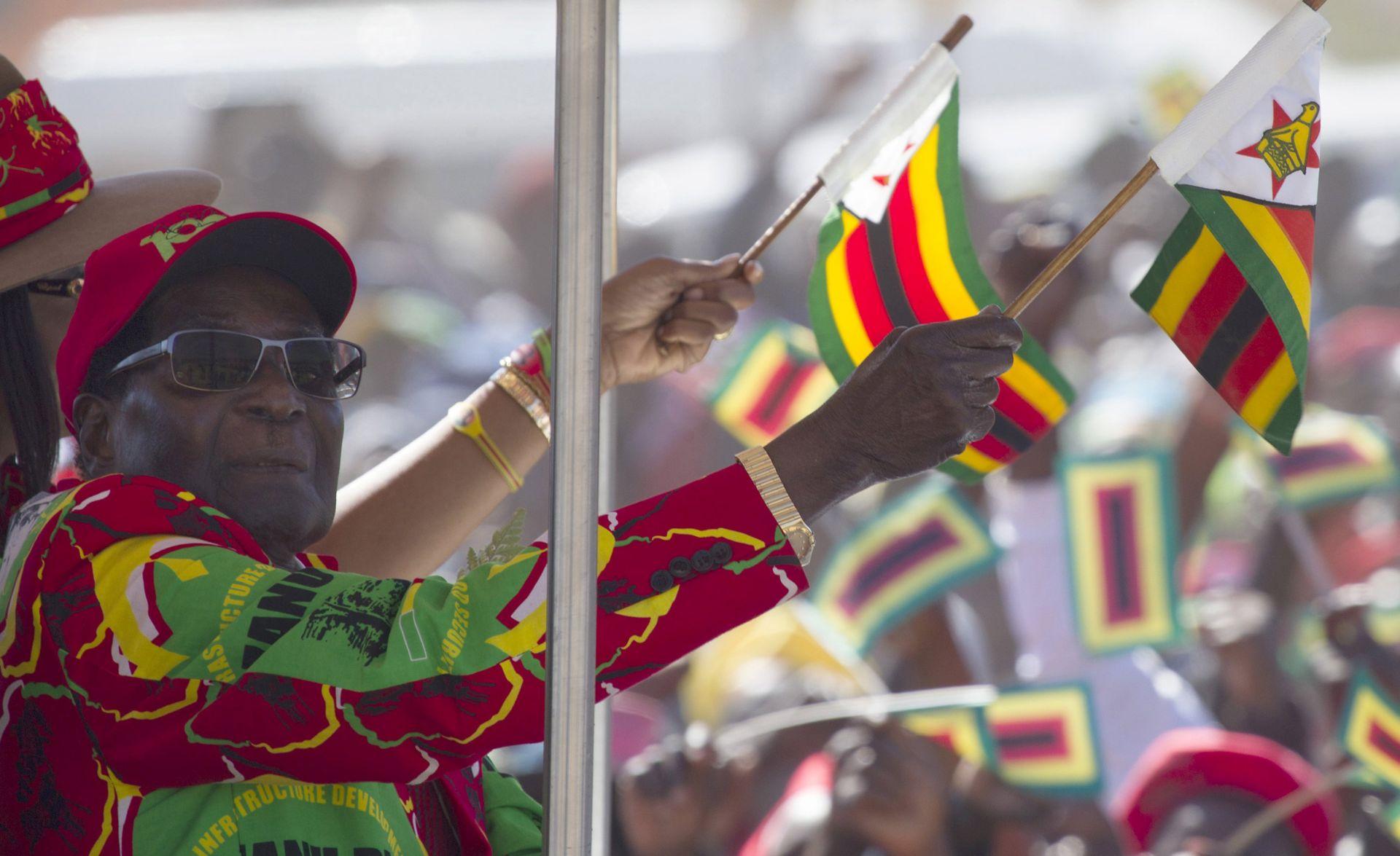ZIMBABVE Smijenjeni potpredsjednik poziva Mugabea da odmah podnese ostavku