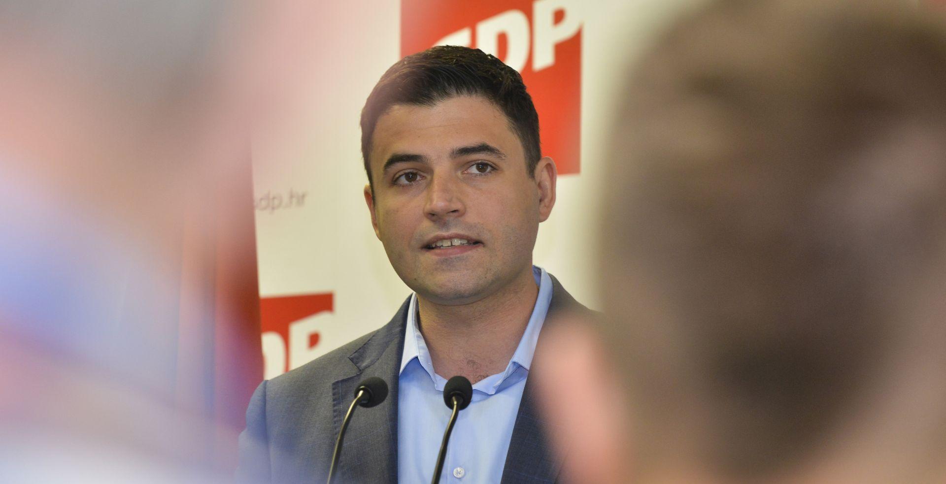 """BERNARDIĆ """"Plenkovićeva Vlada sigurno neće provesti kurikularnu reformu"""""""