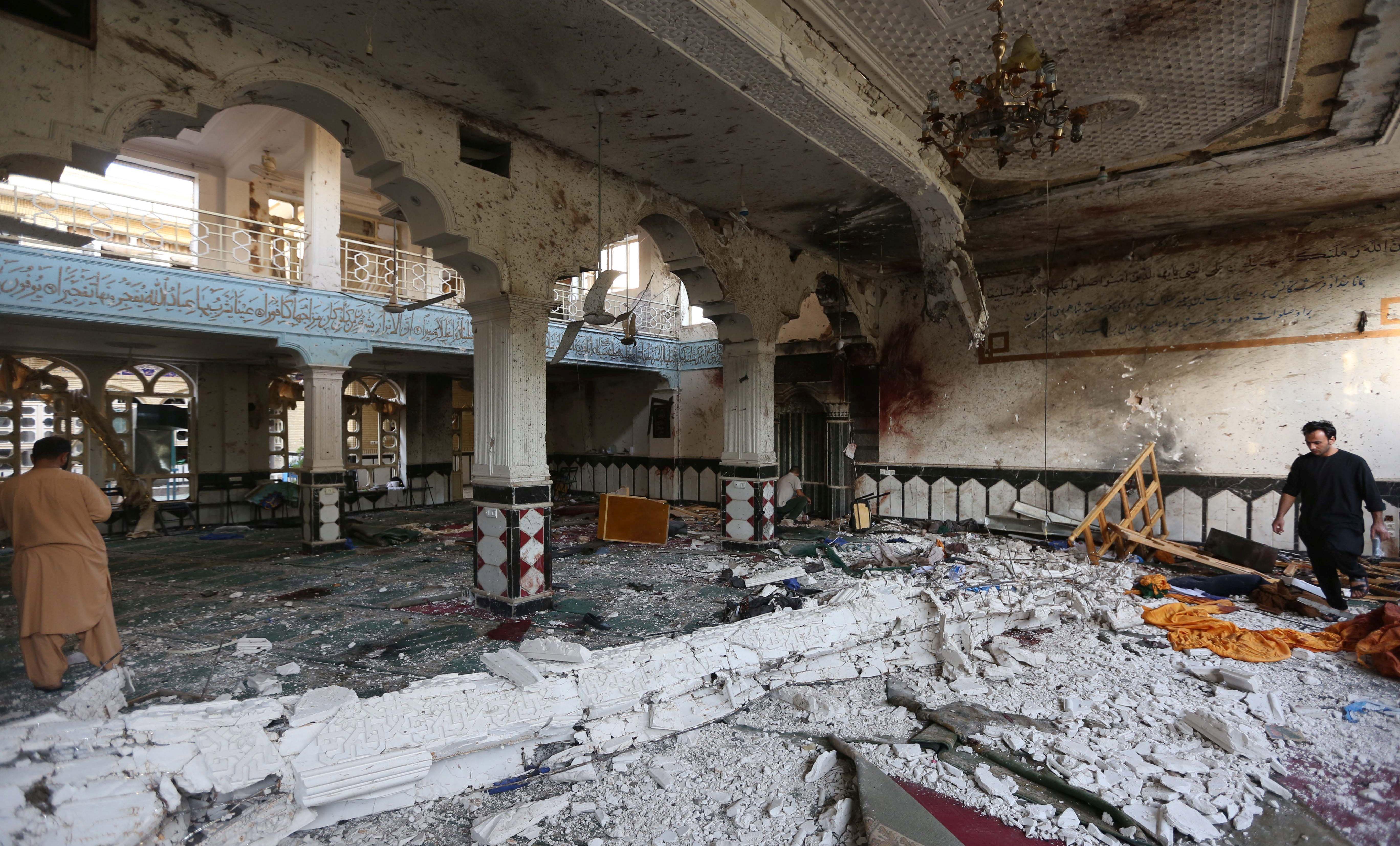 U samoubilačkom napadu na šijitsku džamiju u Kabulu ubijeno najmanje 14 civila