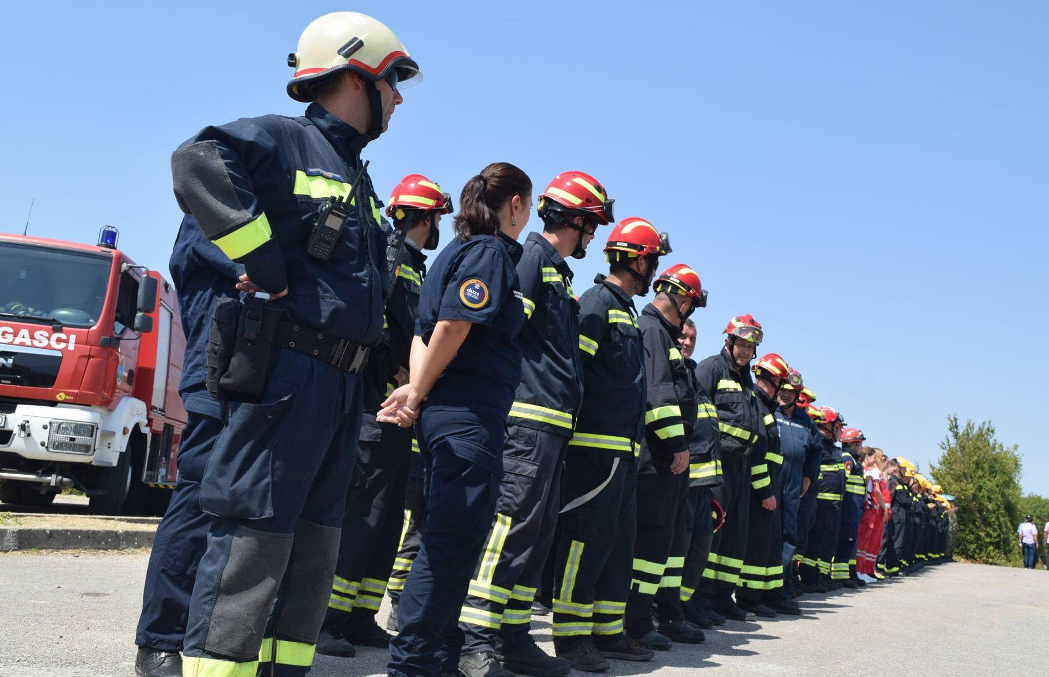 Pod nadzorom požari na području Promine, Svilaje i Kistanja