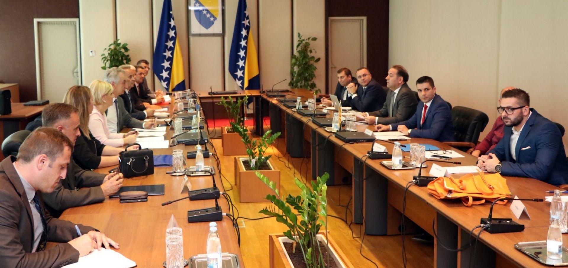 SRBIJANSKA AGENCIJA: EK razmatra mehanizme SSP-a za slučaj da se ne riješi trgovinski spor s Hrvatskom
