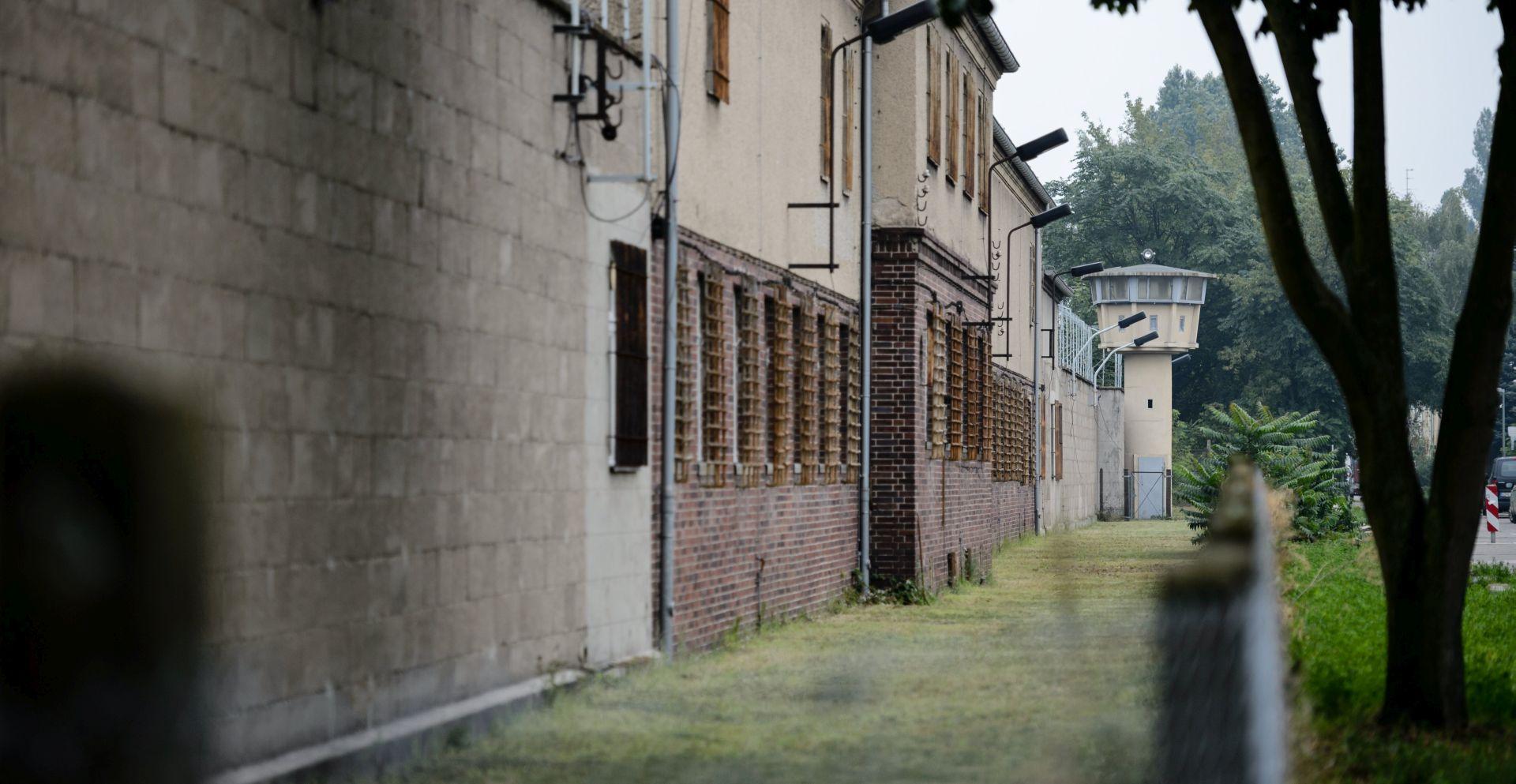 Merkel posjetila Stasijev zatvor i upozorila na opasnost koja prijeti od lijevog ekstremizma
