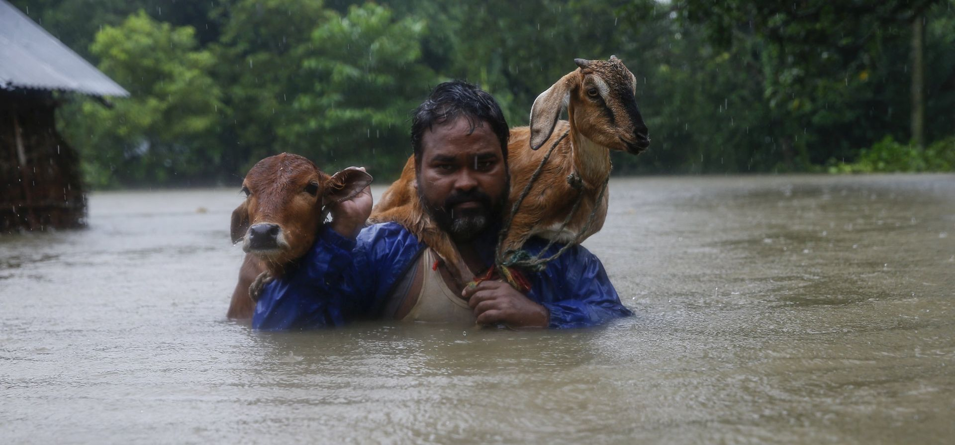 NEPAL 30 mrtvih u poplavama i odronima