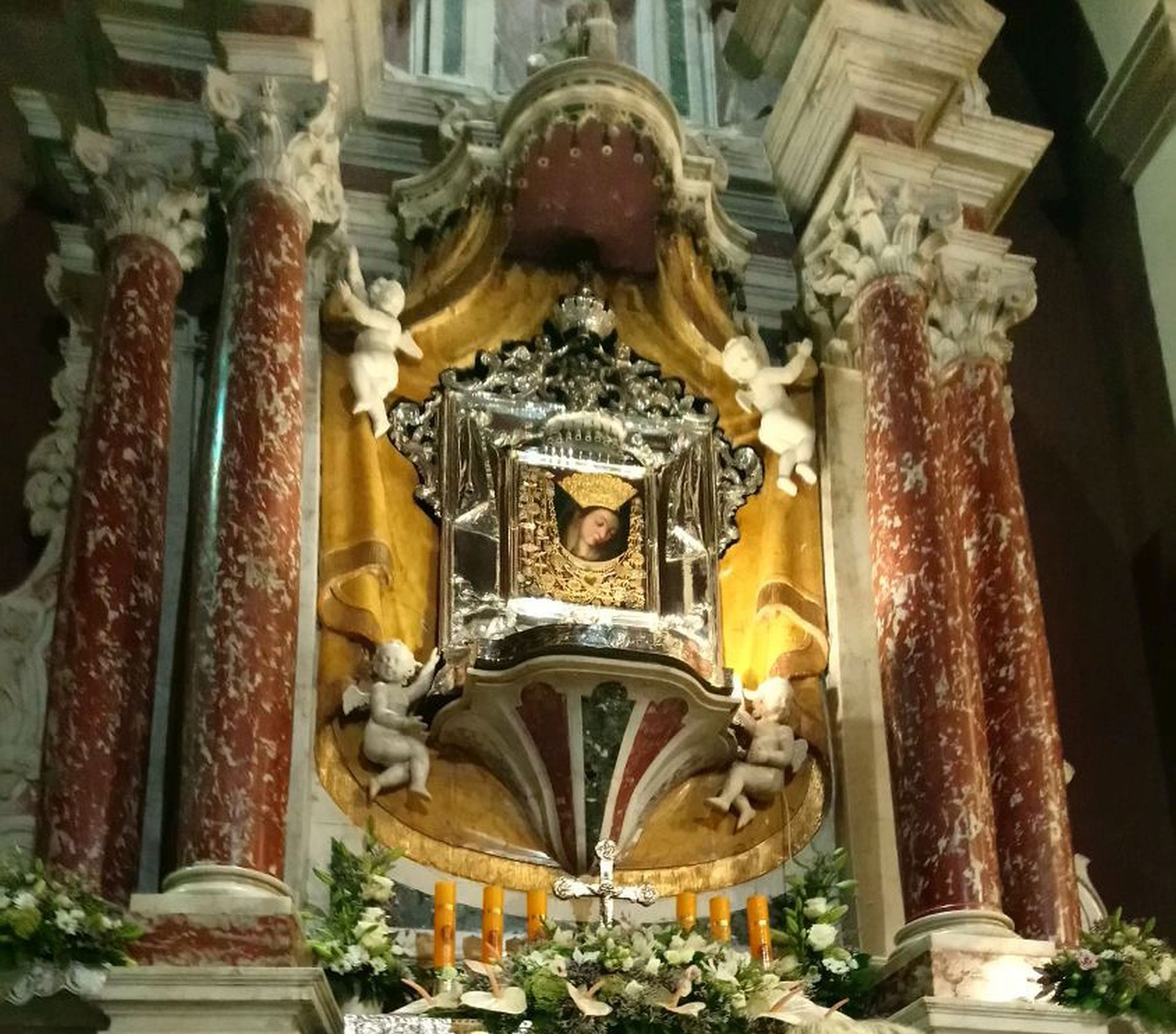 U procesiji u Sinju više desetaka tisuća vjernika