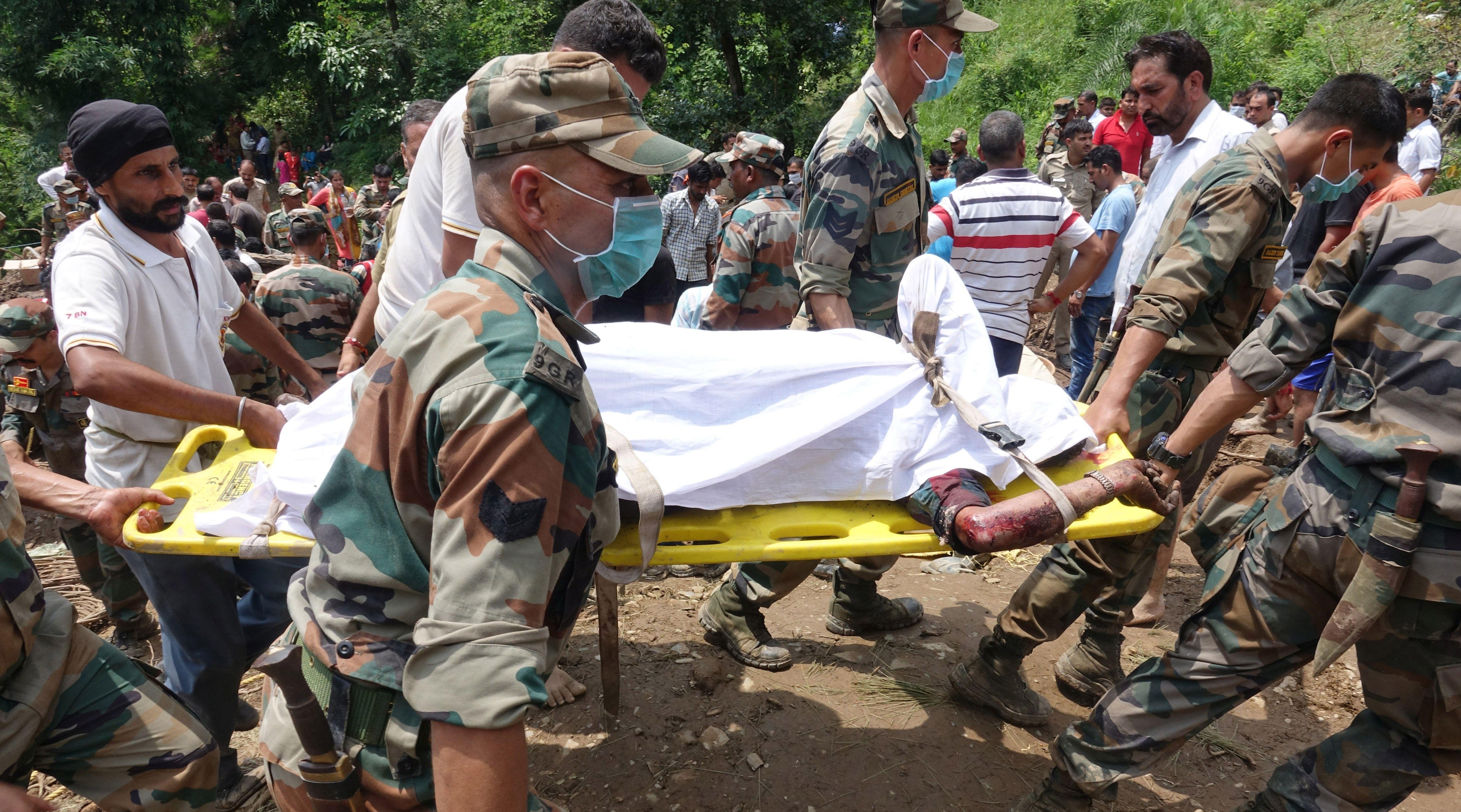 INDIJA U odronima zemlje poginulo najmanje 45 ljudi