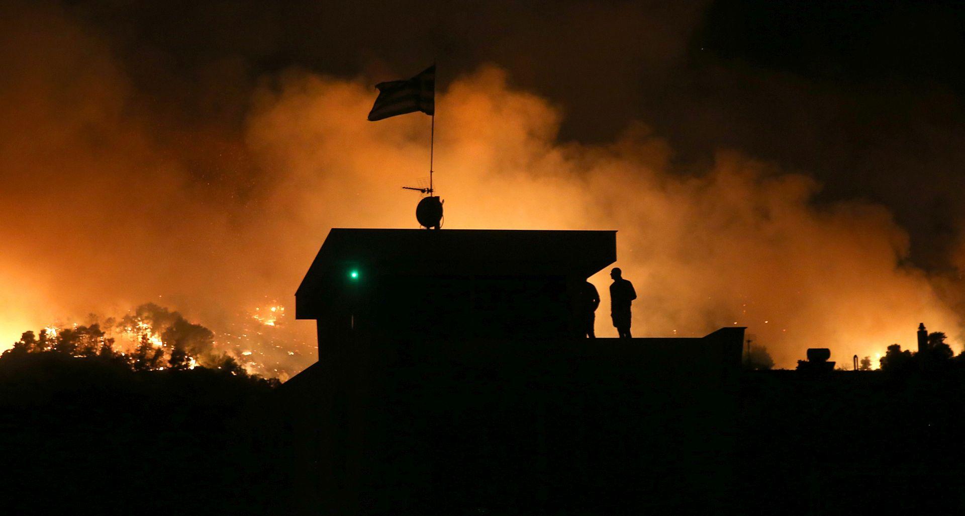 GRČKA Tisuće pozvane da napuste domove zbog požara 50 km od Atene