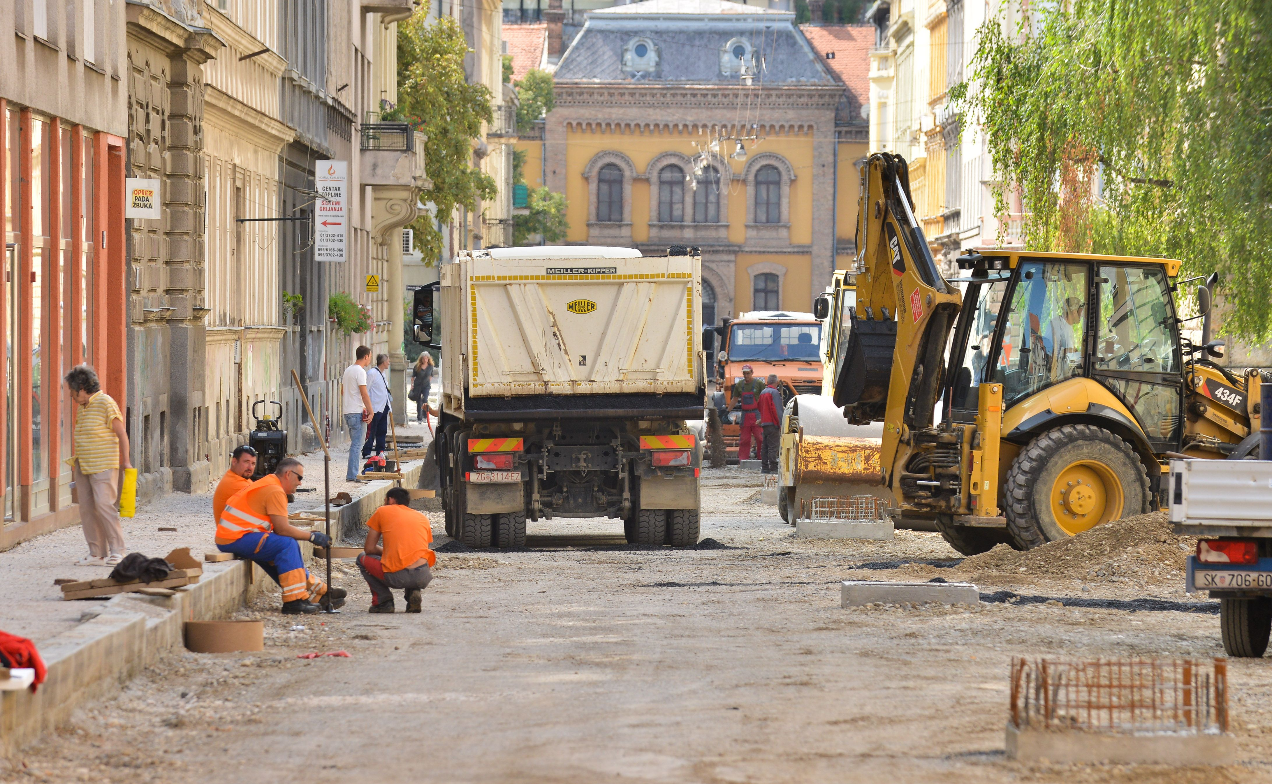 HSLS Radovi u Zagrebu samopromocija gradske vlasti ili rezultat potreba?