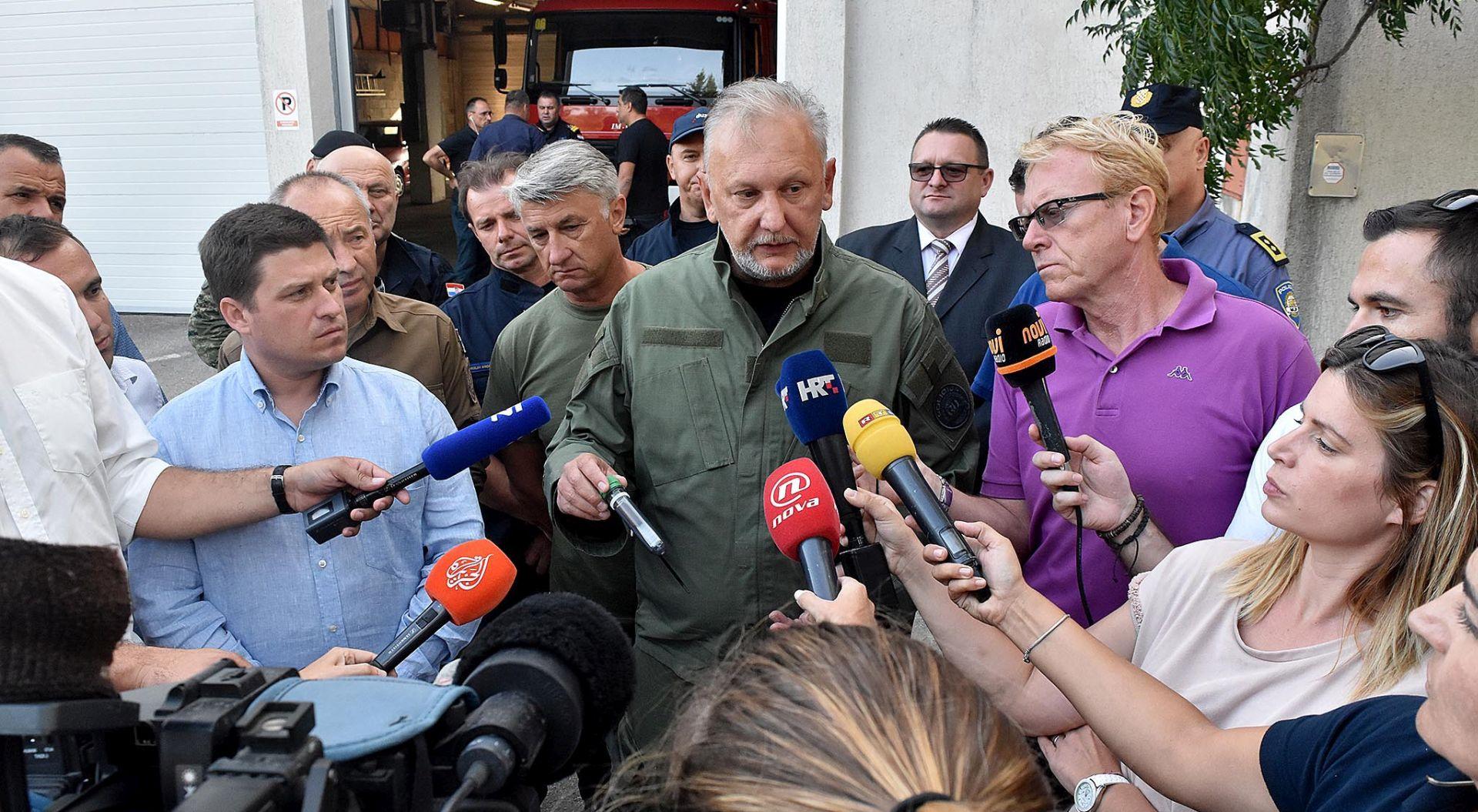 BOŽINOVIĆ 'Zbog izazivanja požara uhićeno 14 osoba'