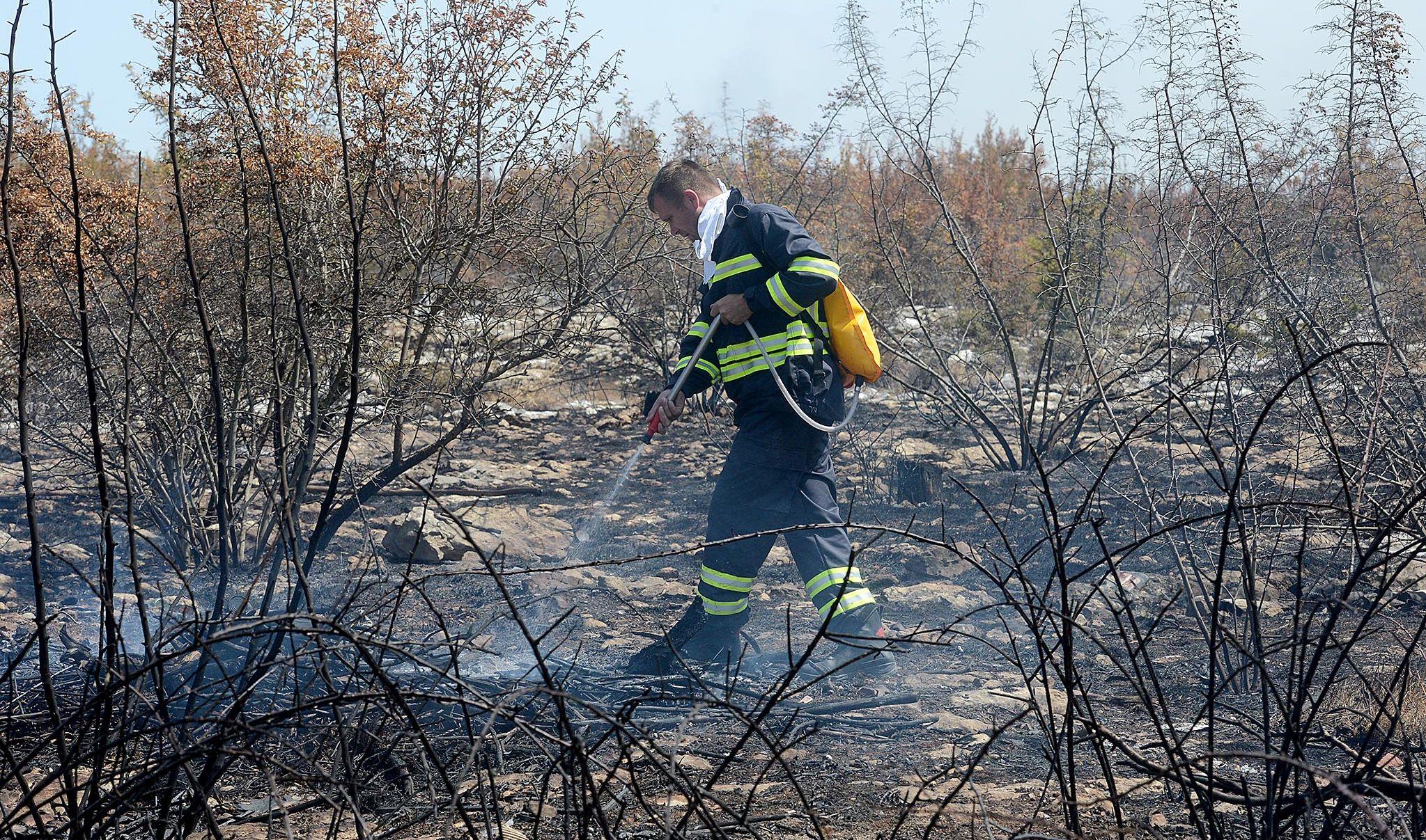 Požari u Šibensko-kninskoj županiji pod nadzorom