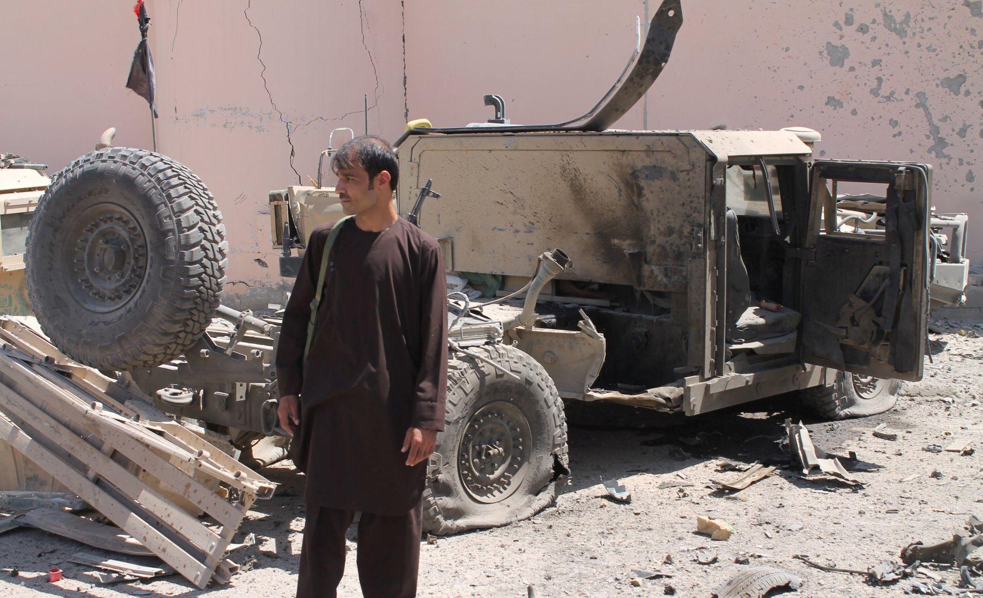 U Afganistanu 13 mrtvih u talibanskom napadu
