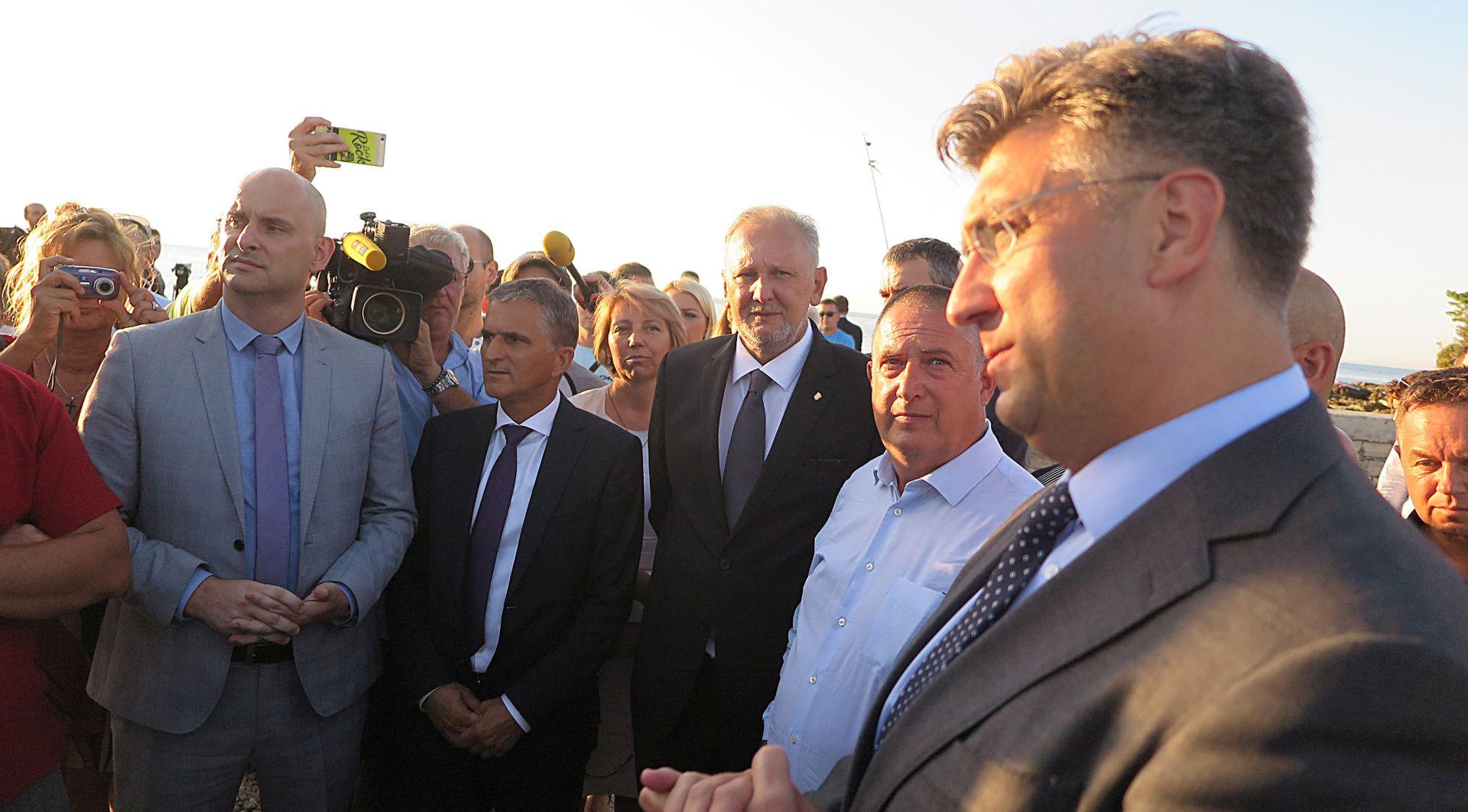 PLENKOVIĆ U SAVUDRIJI 'Nastavak razgovora sa Slovenijom o graničnim pitanjima'