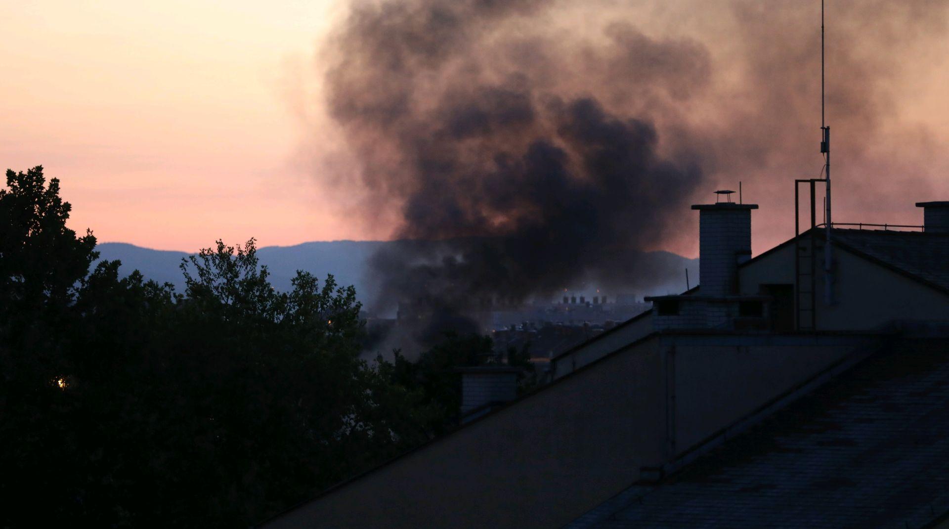 ZAGREB Na Jarunu se zapalio industrijski kontejner