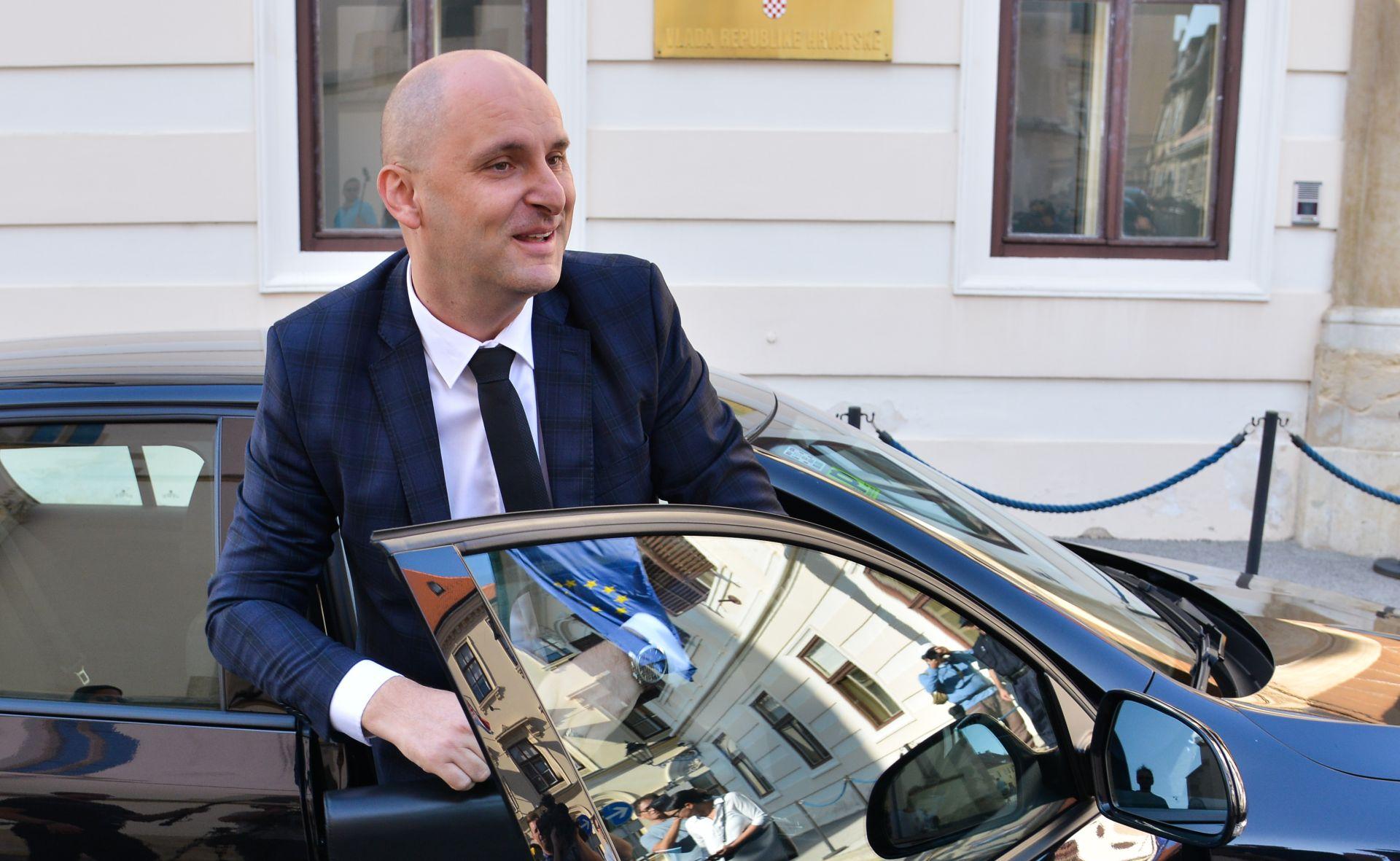 Tolušić najavio da će idućih mjeseci dogovoriti sa susjedima zadovoljavajuću cijenu nadzora uvoza voća i povrća