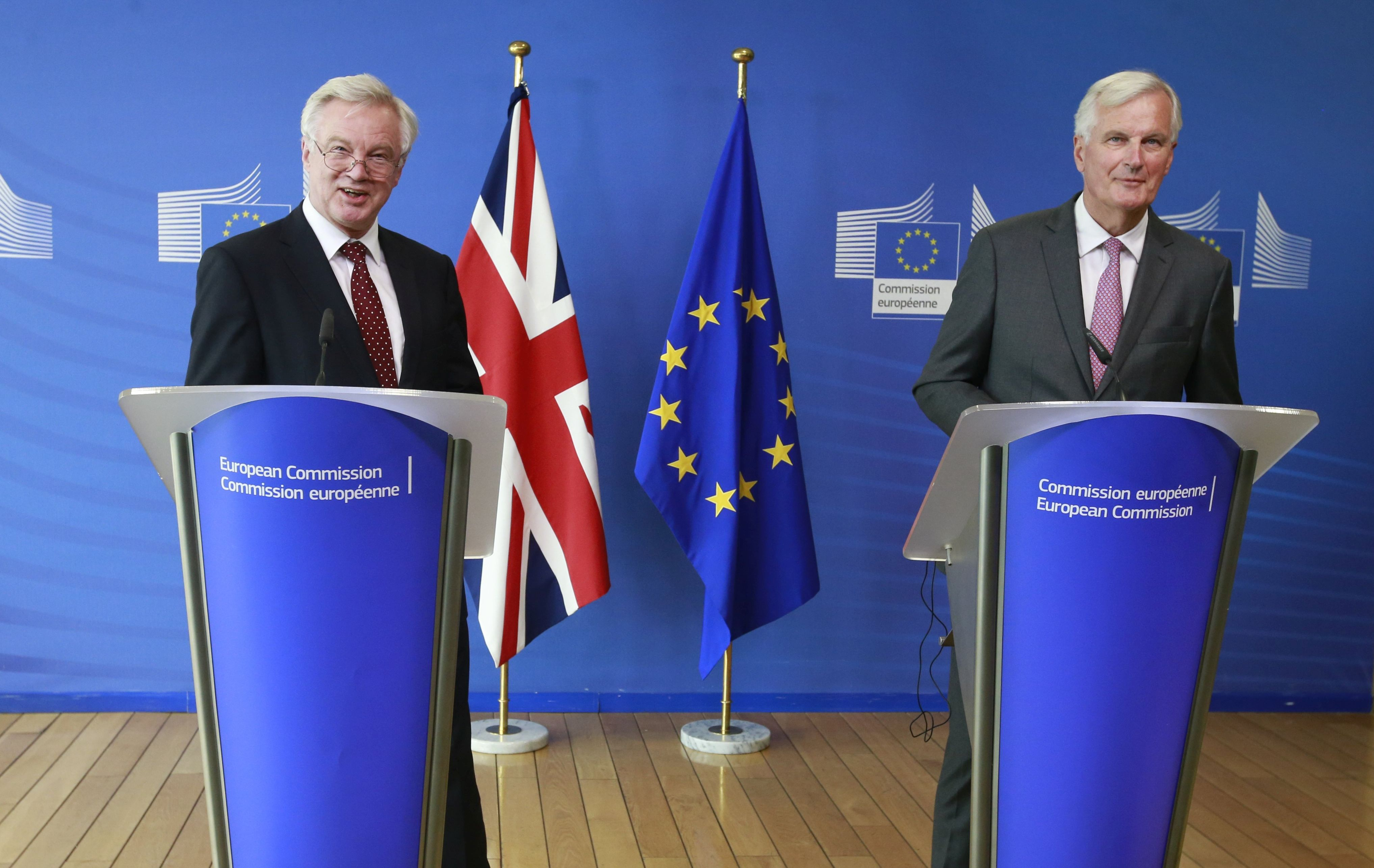 Barnier poziva Britance da ozbiljno pristupe pregovorima
