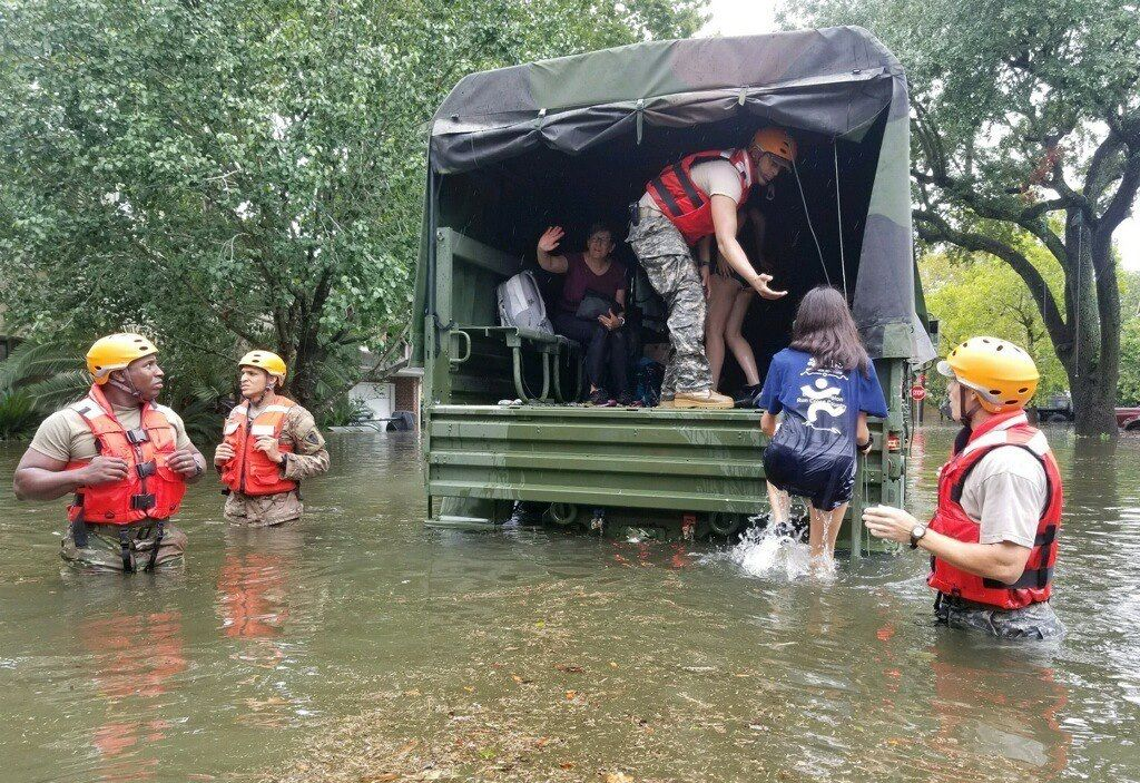 TROPSKA OLUJA DIVLJA TEKSASOM Uragan Harvey odnio najmanje devet života