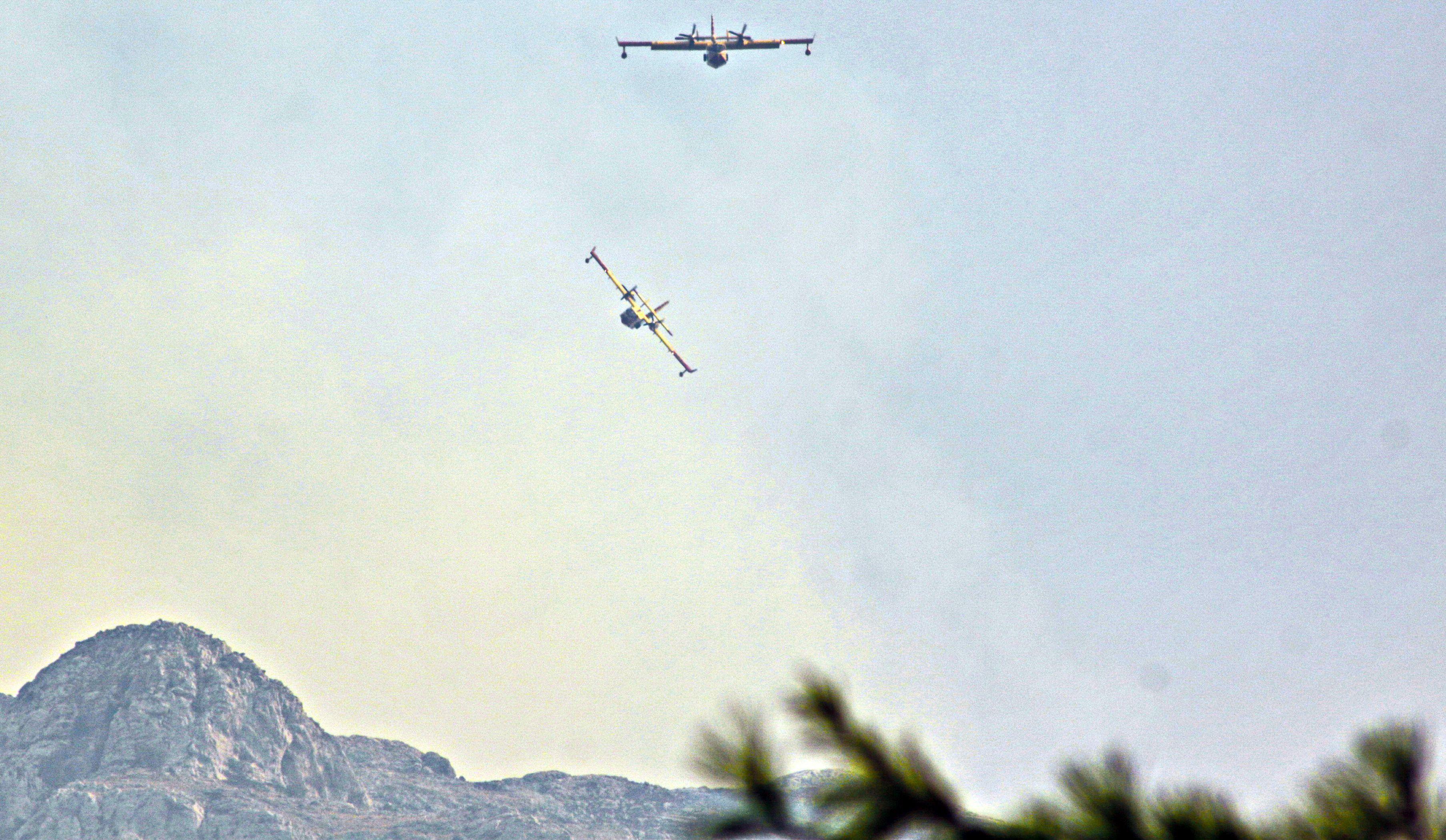 Požar s južne strane Biokova prešao na sjevernu