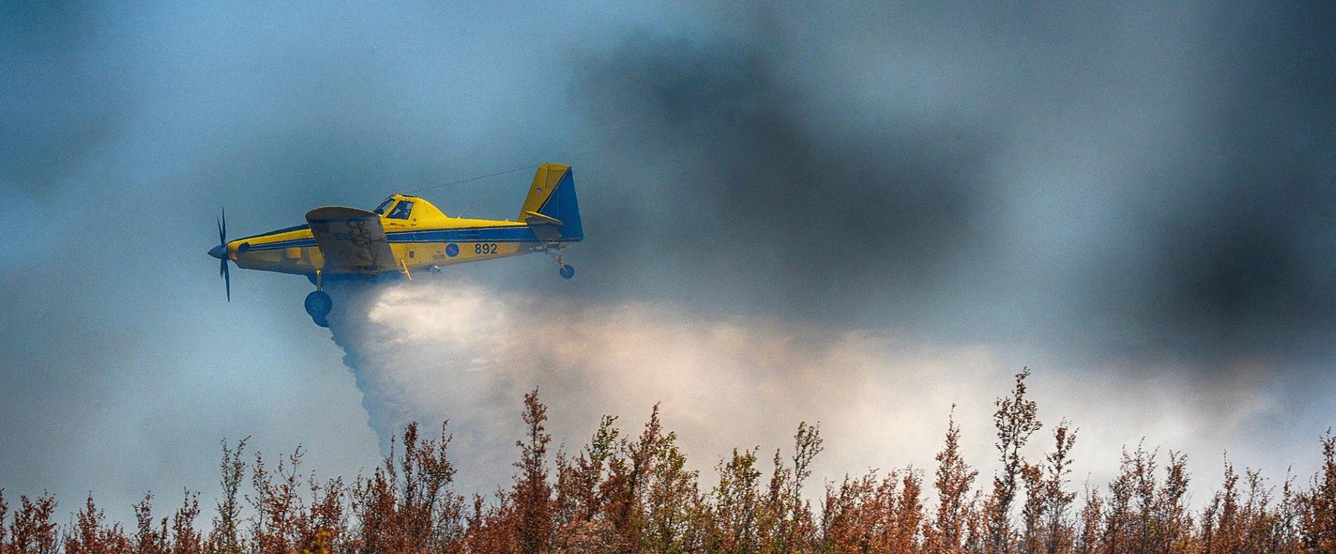 MORH: Zračne snage od jutra na požarištu Biokovo