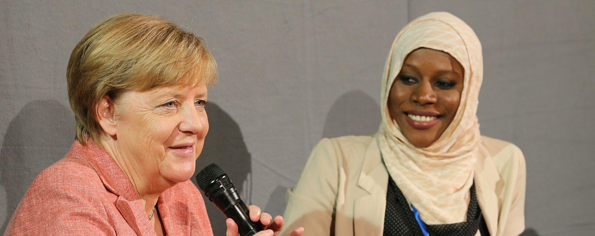 BEZ SAMOKRITIKE Merkel branila svoju imigrantsku politiku iz 2015.