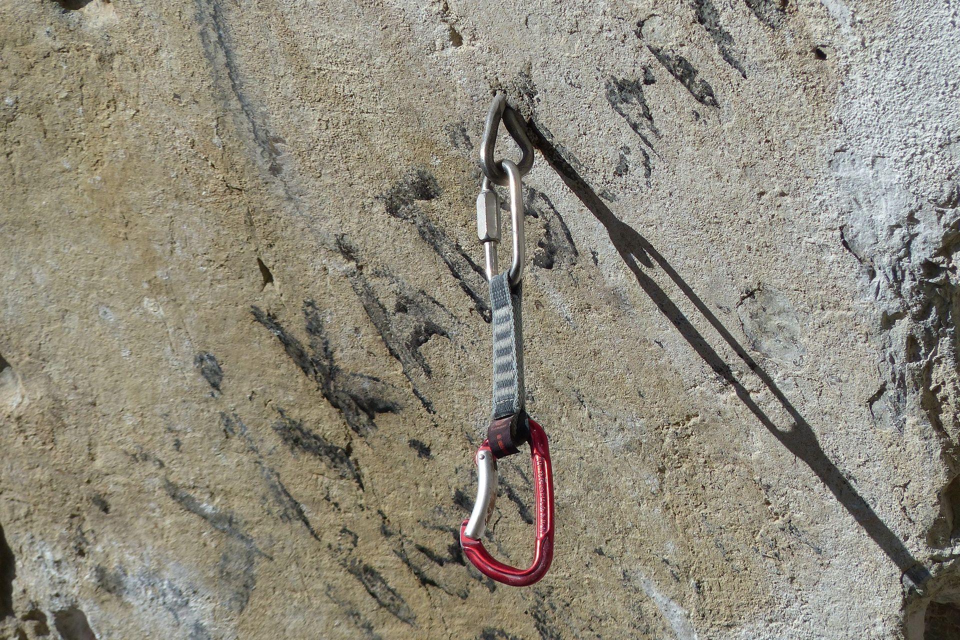 OTKVAČILO SE UŽE? Palo i poginulo petero alpinista kod Zell-am-Seea