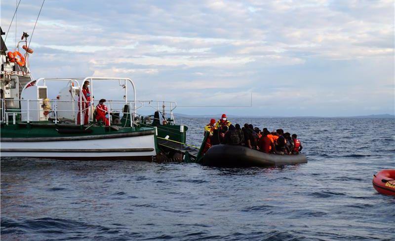 Pao broj ilegalnih migranata u Grčkoj i Italiji, a raste u Španjolskoj