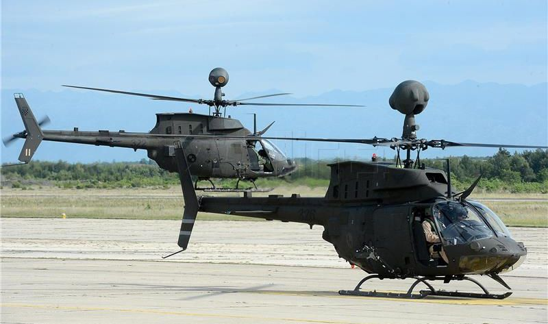 MORH Na vojnom poligonu u Slunju prva bojna gađanja iz helikoptera Kiowa Warrior