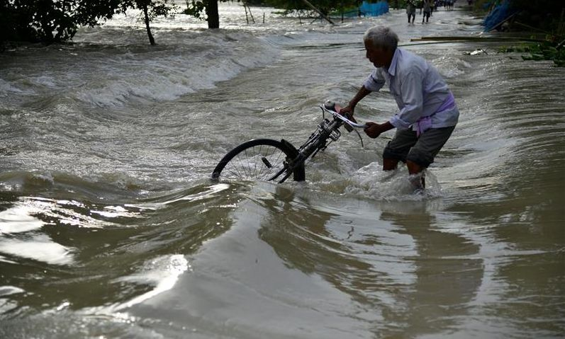 U poplavama u Mumbaiju 14 mrtvih