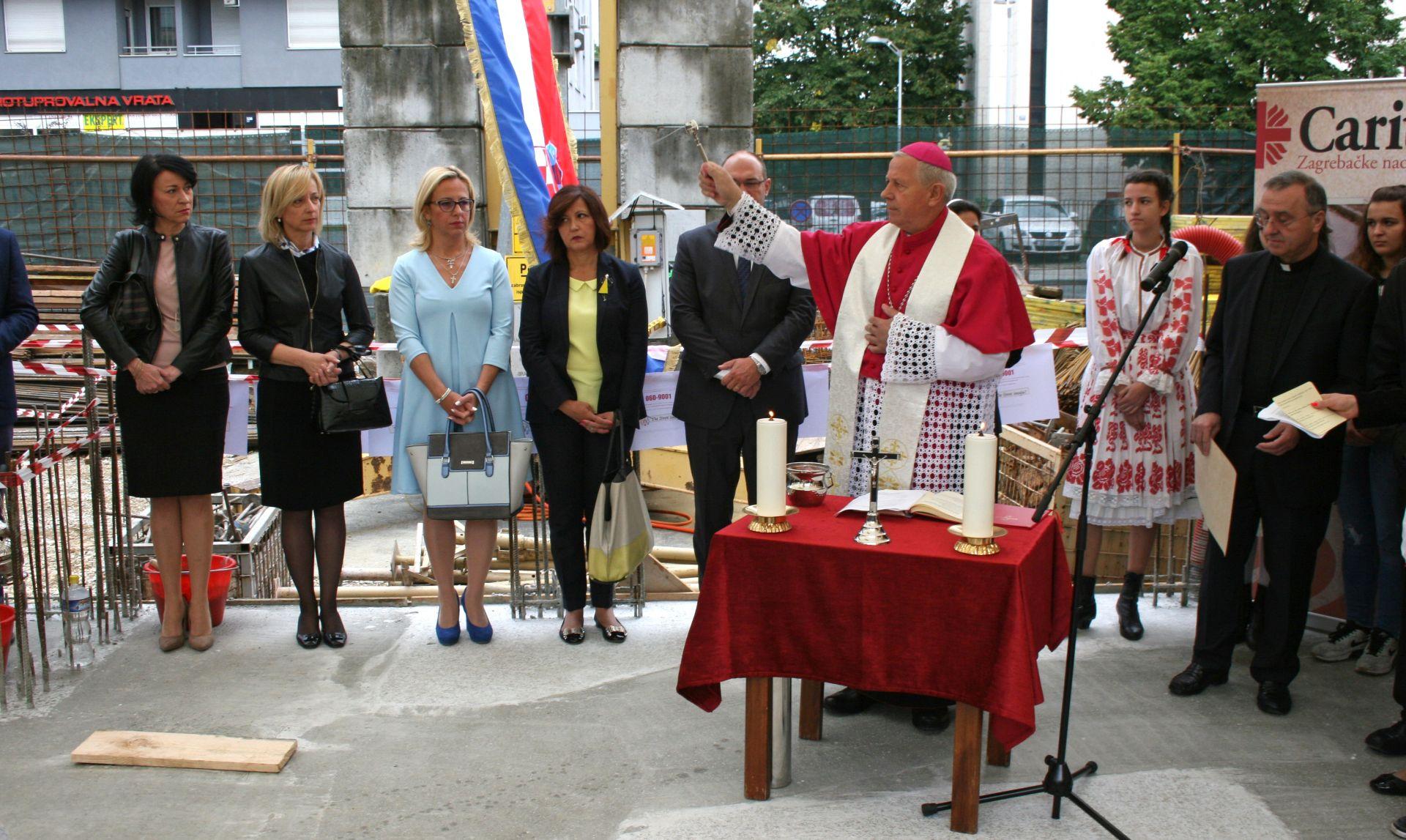 ZAGREB Blagoslov kamena temeljca Caritasova Doma za mlade bez roditeljske skrbi i za siromašne studente