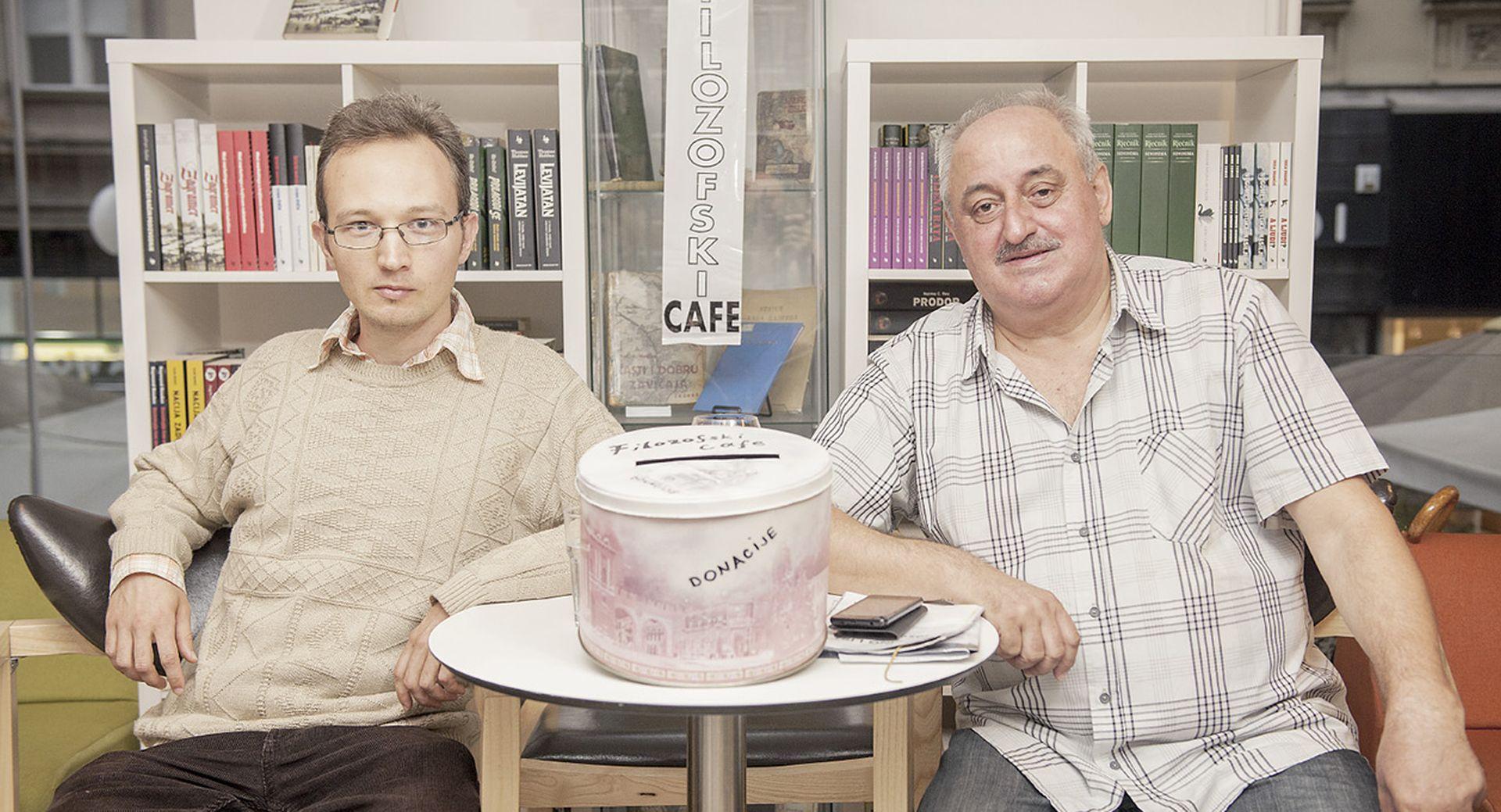 Filozofski café – kako se o 'teškim temama' uz kavu poboljšava komunikacija i diskusija