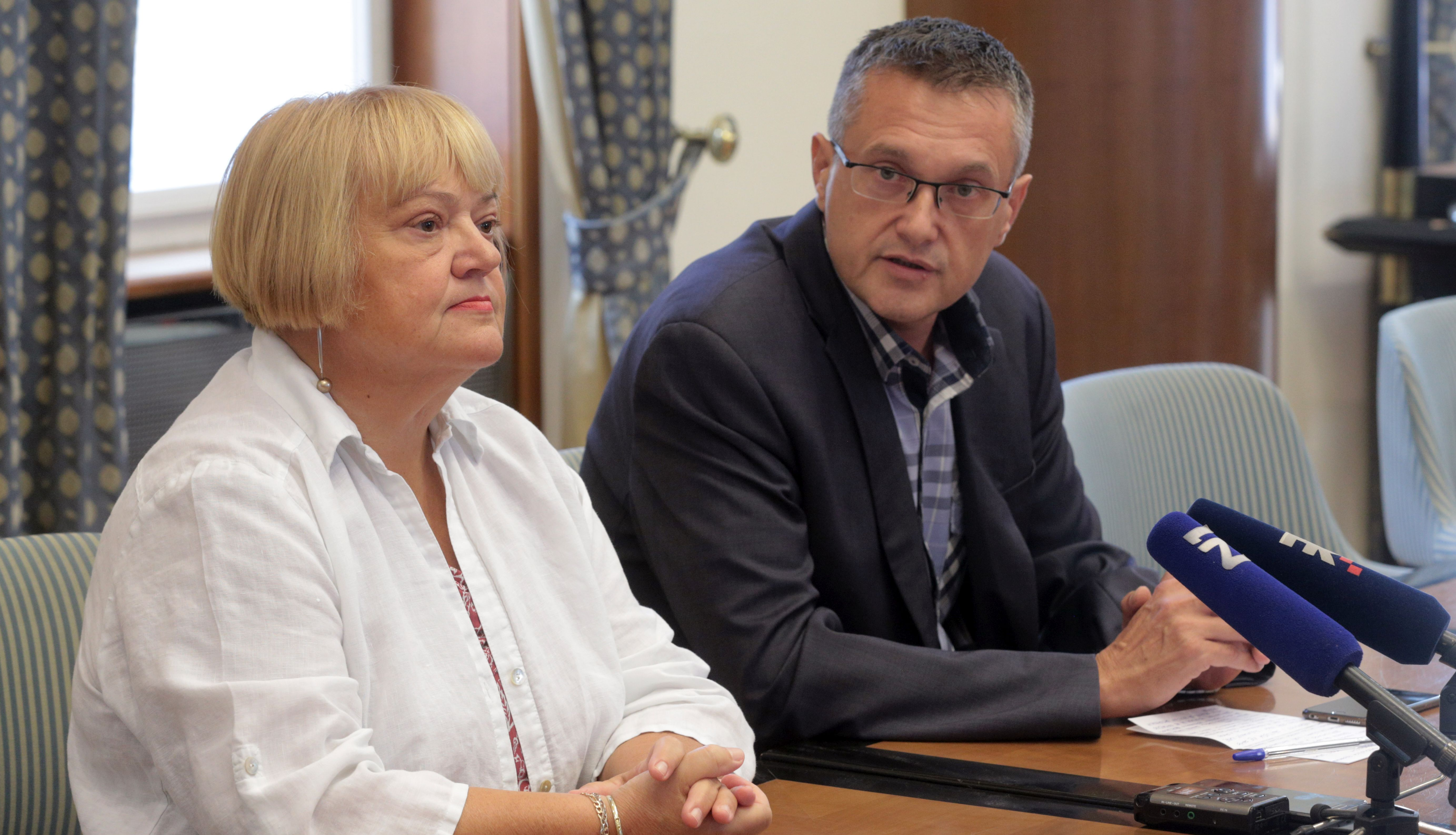 KLUBOVI GLAS-A I HSU-A, NACIONALNIH MANJINA 'Inicijativa za izmjenu izbornoga zakona antidemokratska'