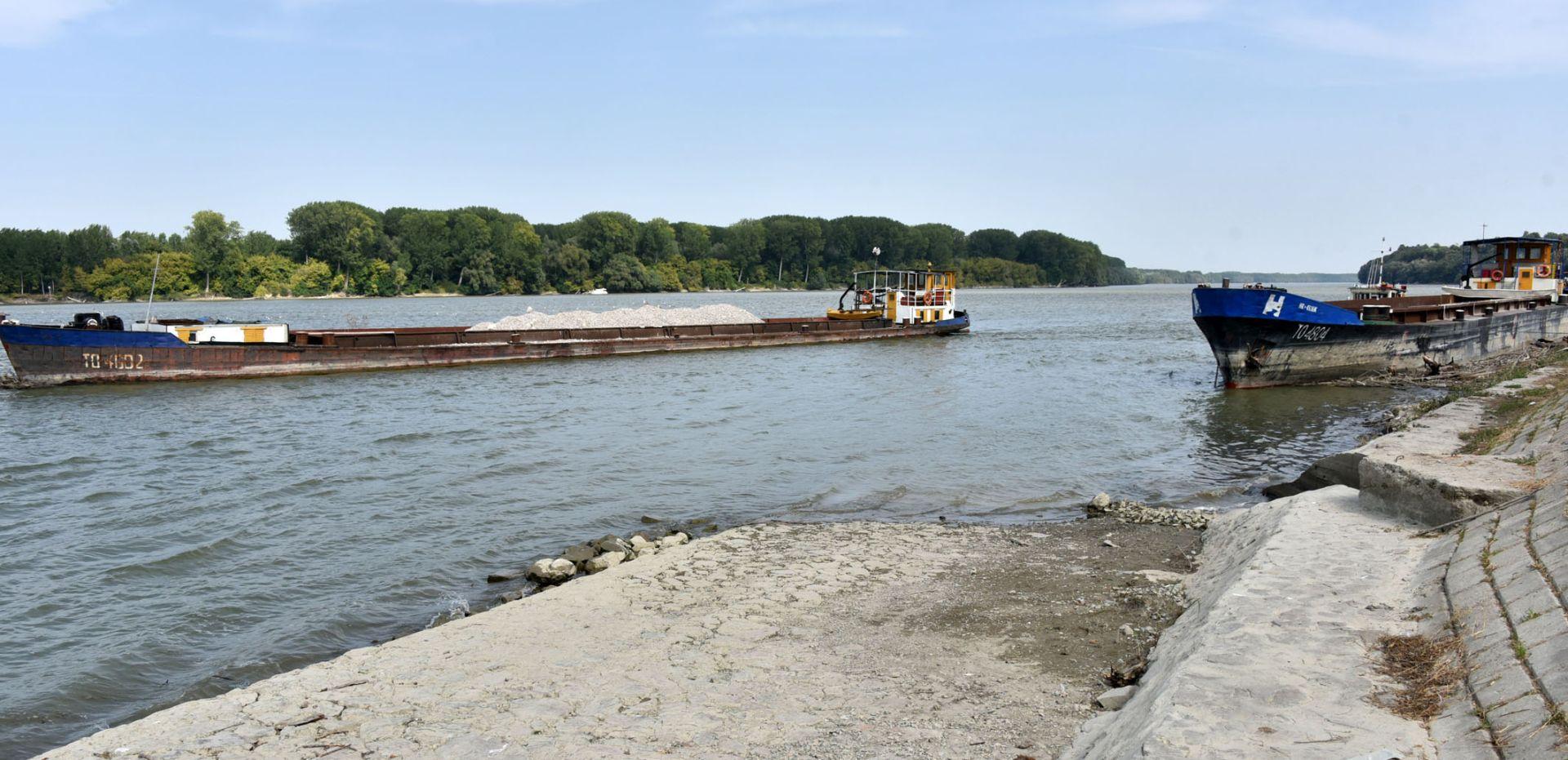 VUKOVAR: HGSS se priključio potrazi za majkom djeteta (4) koje se danas utopilo u Dunavu