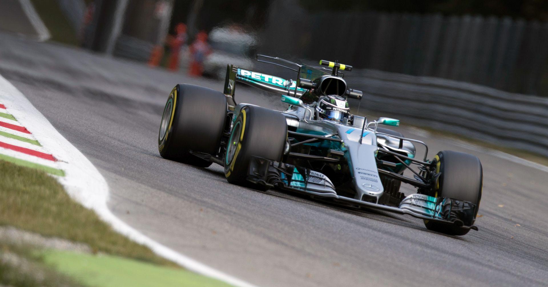 Hamiltonu pole position na VN Velike Britanije