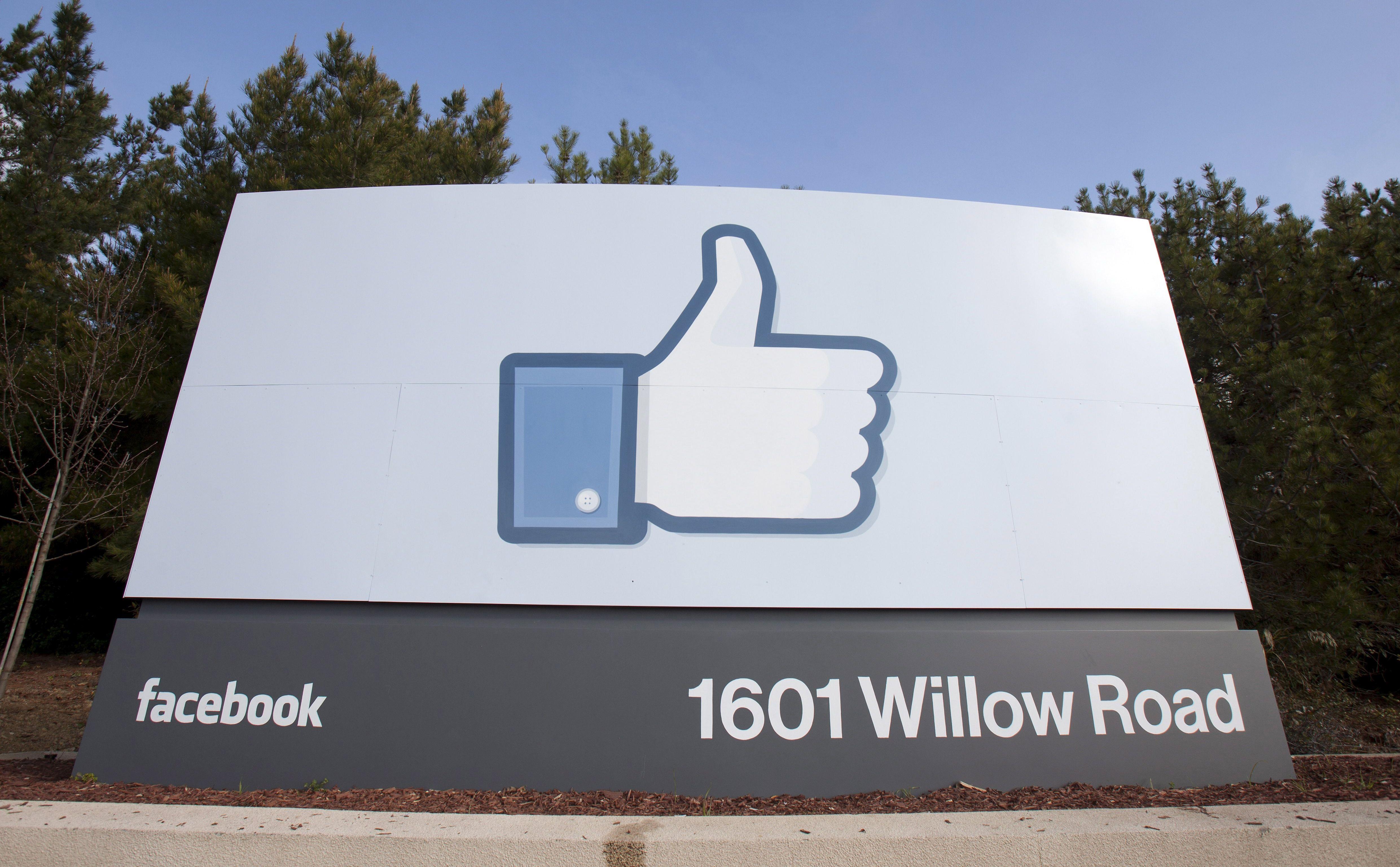 Trump se obrušio na Facebook, tvrdi da su mreže protiv njega