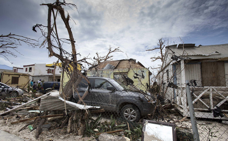 URAGAN MARIA JAČA Mogao bi pogoditi ista područja kao i Irma