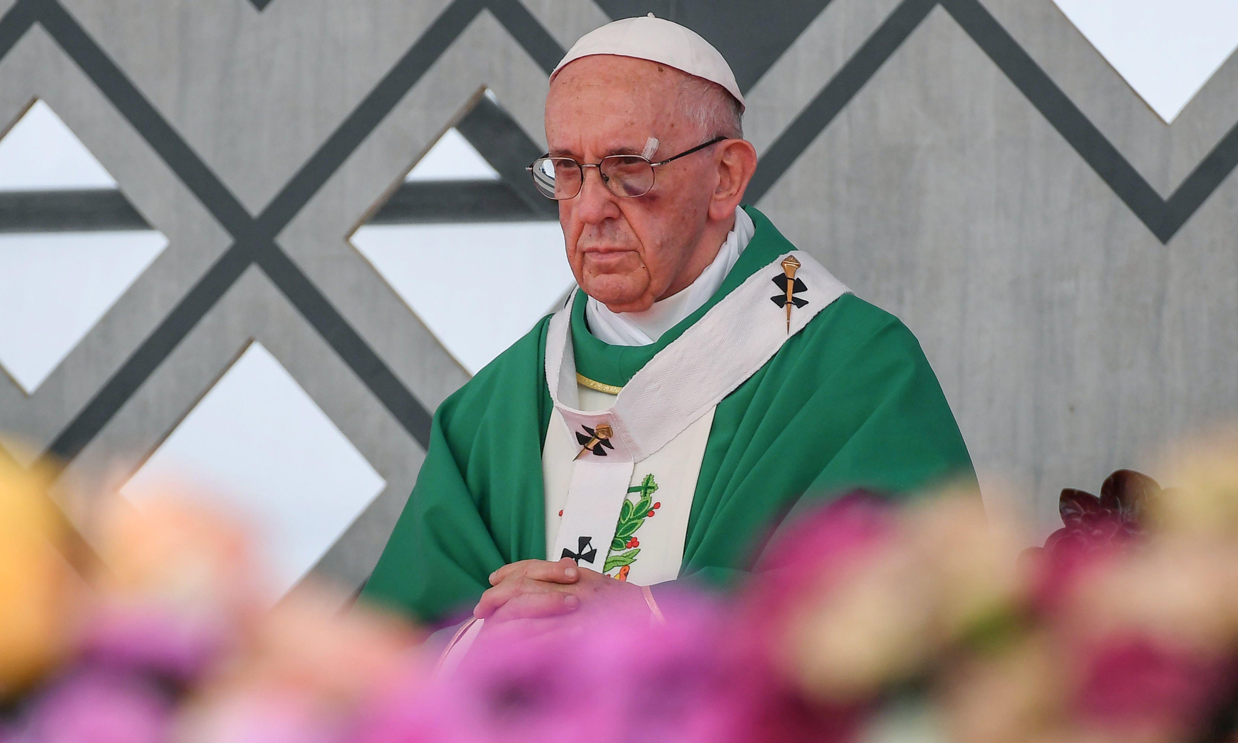 """Papa završio posjet Kolumbiji pozivom Kolumbijcima da """"presijeku čvorove nasilja"""""""