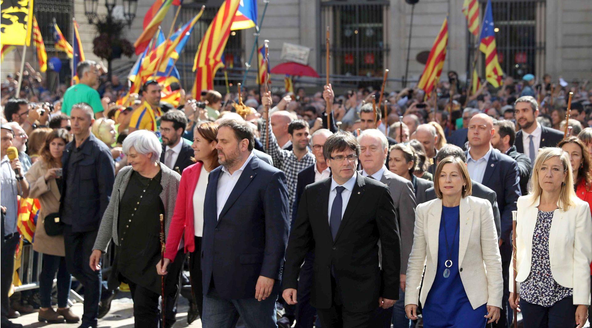 ŠPANJOLSKA Prosvjed 700 katalonskih gradonačelnika