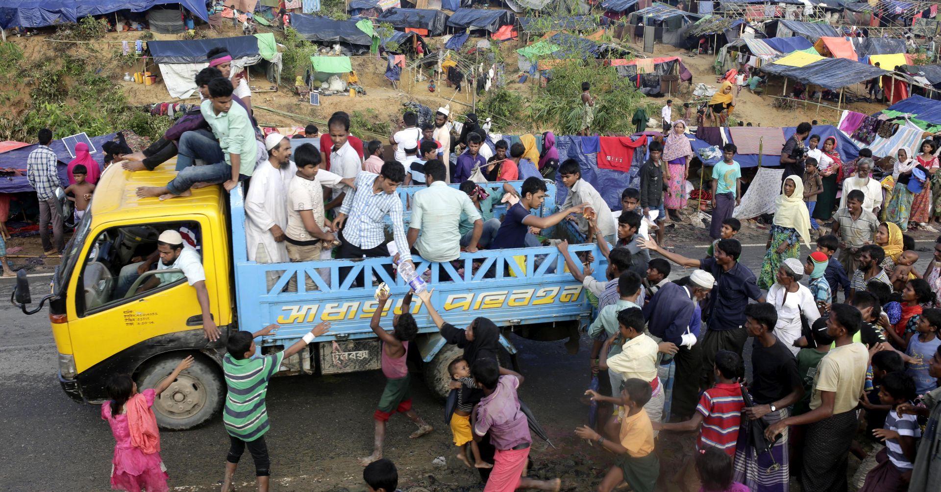 Zapadne sile traže od Suu Kyi da zaustavi nasilje nad Rohindžama