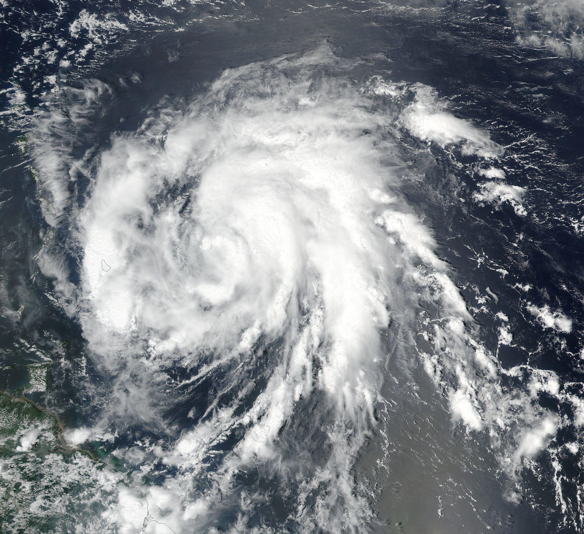 Istočna obala SAD-a evakuirana zbog uragana Florence