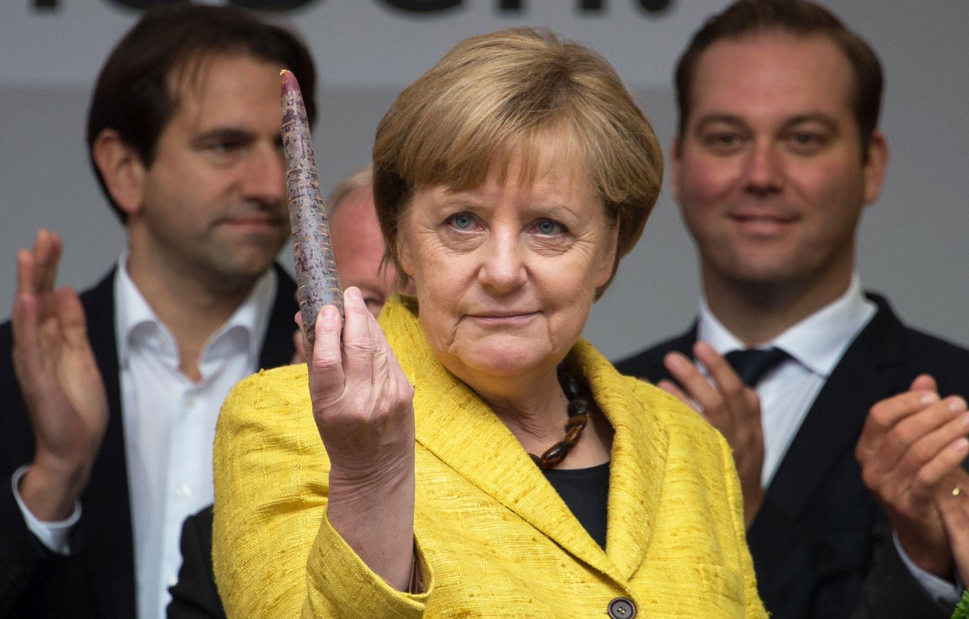 NJEMAČKA Otvorena birališta, očekuje se pobjeda Angele Merkel