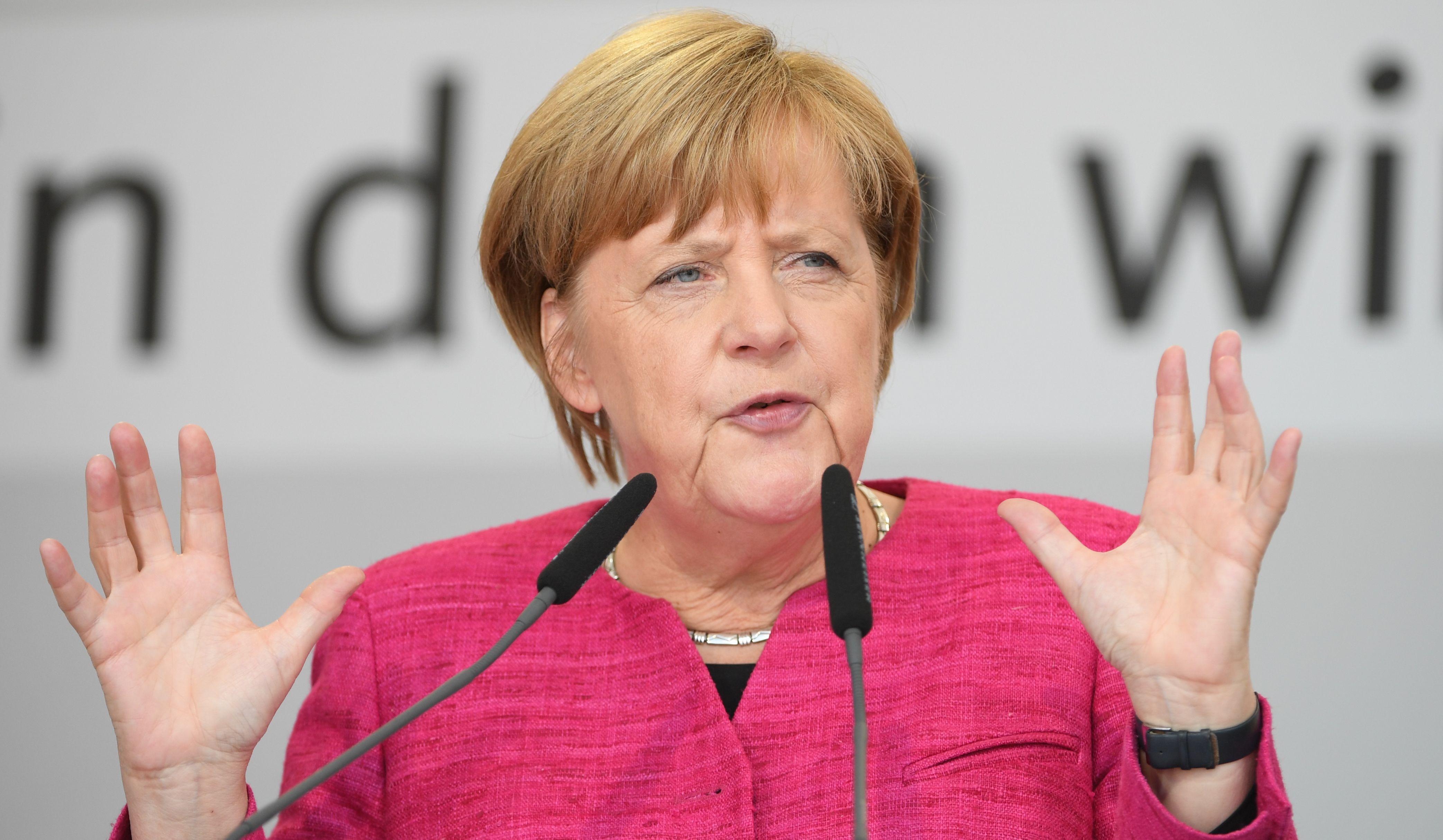 Merkel isključila njemačko sudjelovanje u eventualnom napadu na Siriju