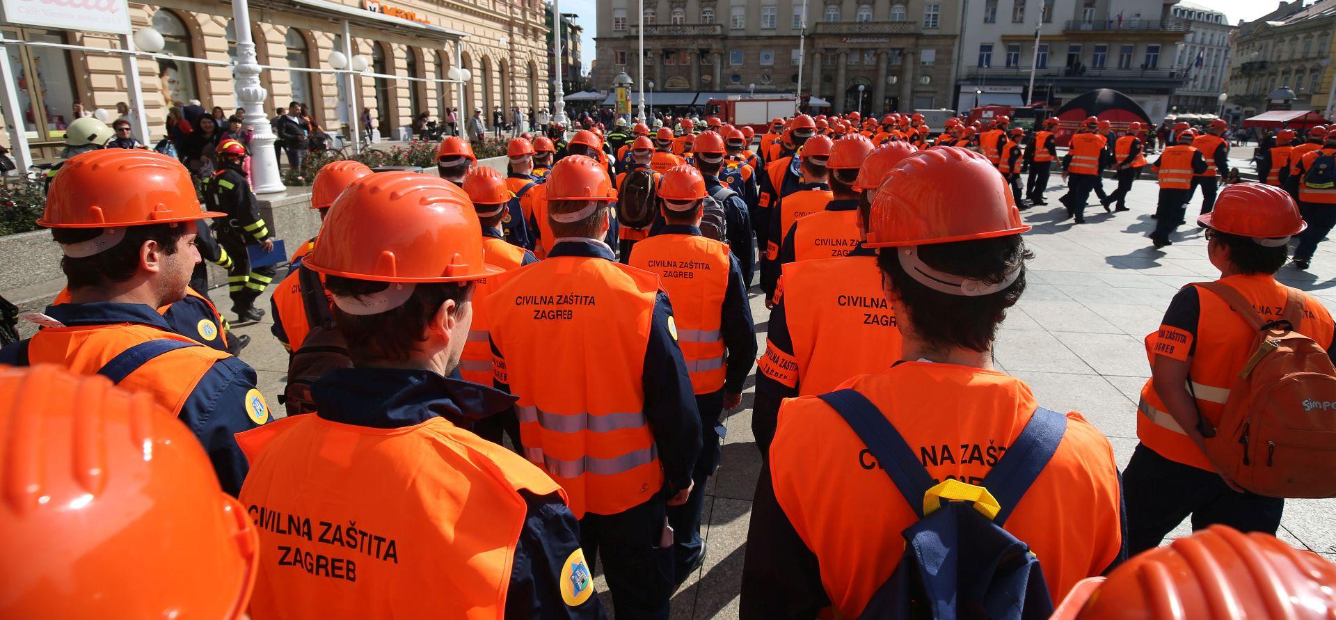 ZAGREB Civilna zaštita prikazala spašavanje s visokih zgrada