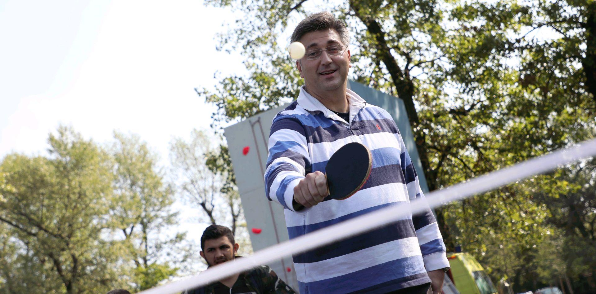 CROBAROMETAR: HDZ i SDP padaju, Most i Žvi zid rastu