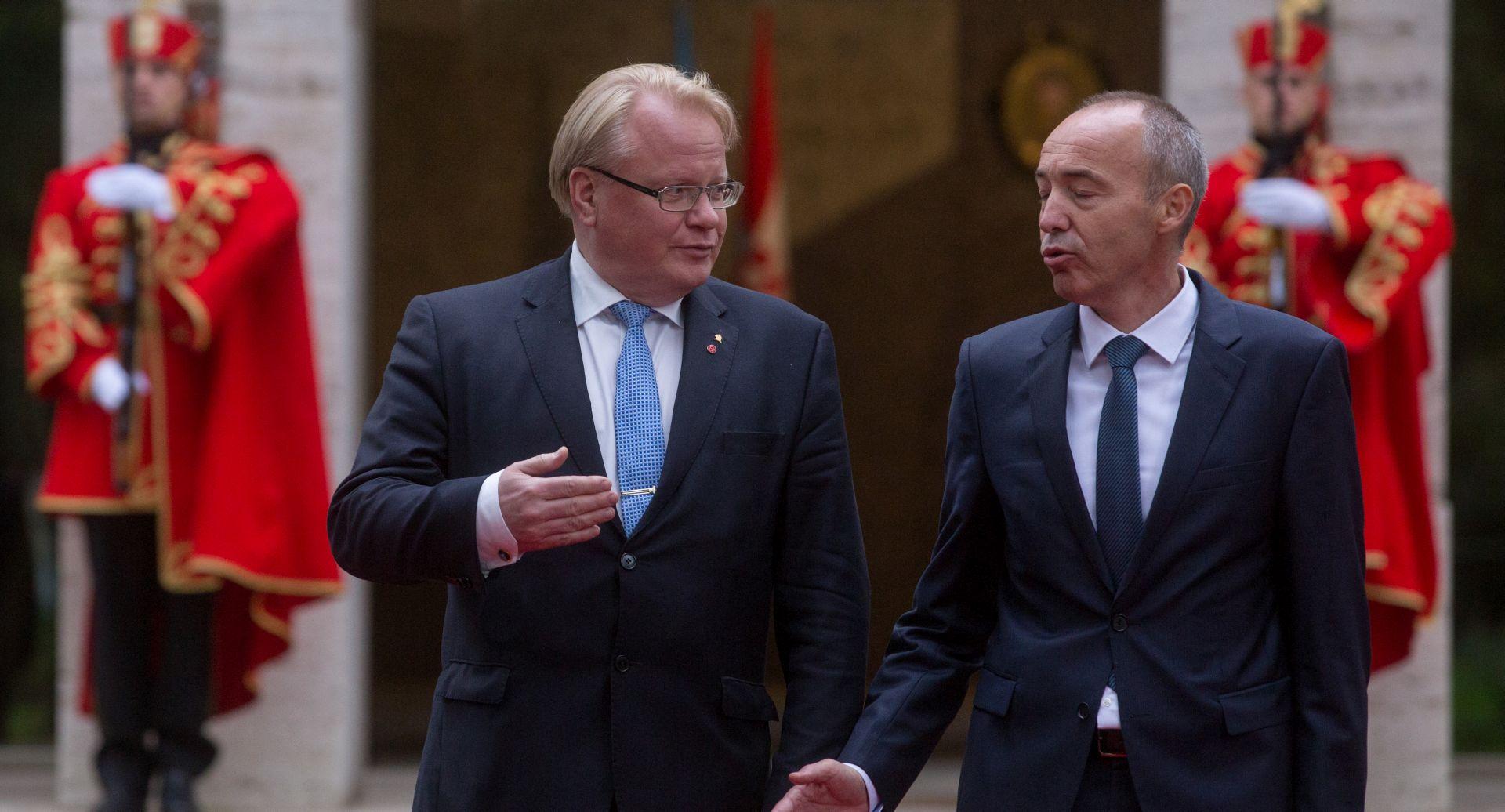 Krstičević sa švedskim ministrom o kupnji novih borbenih zrakoplova