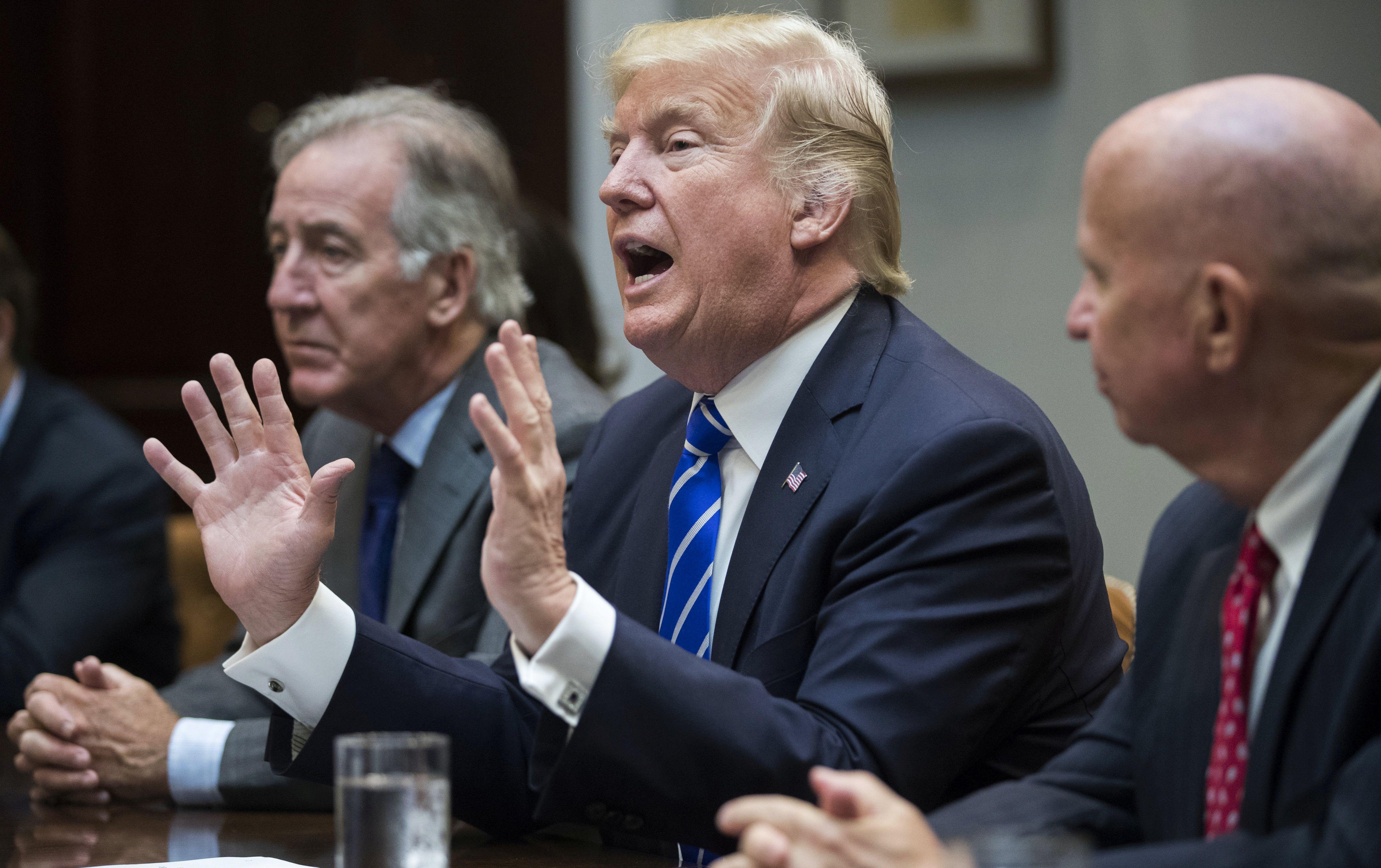 Trump brani bivše suradnike optužene za obiteljsko nasilje