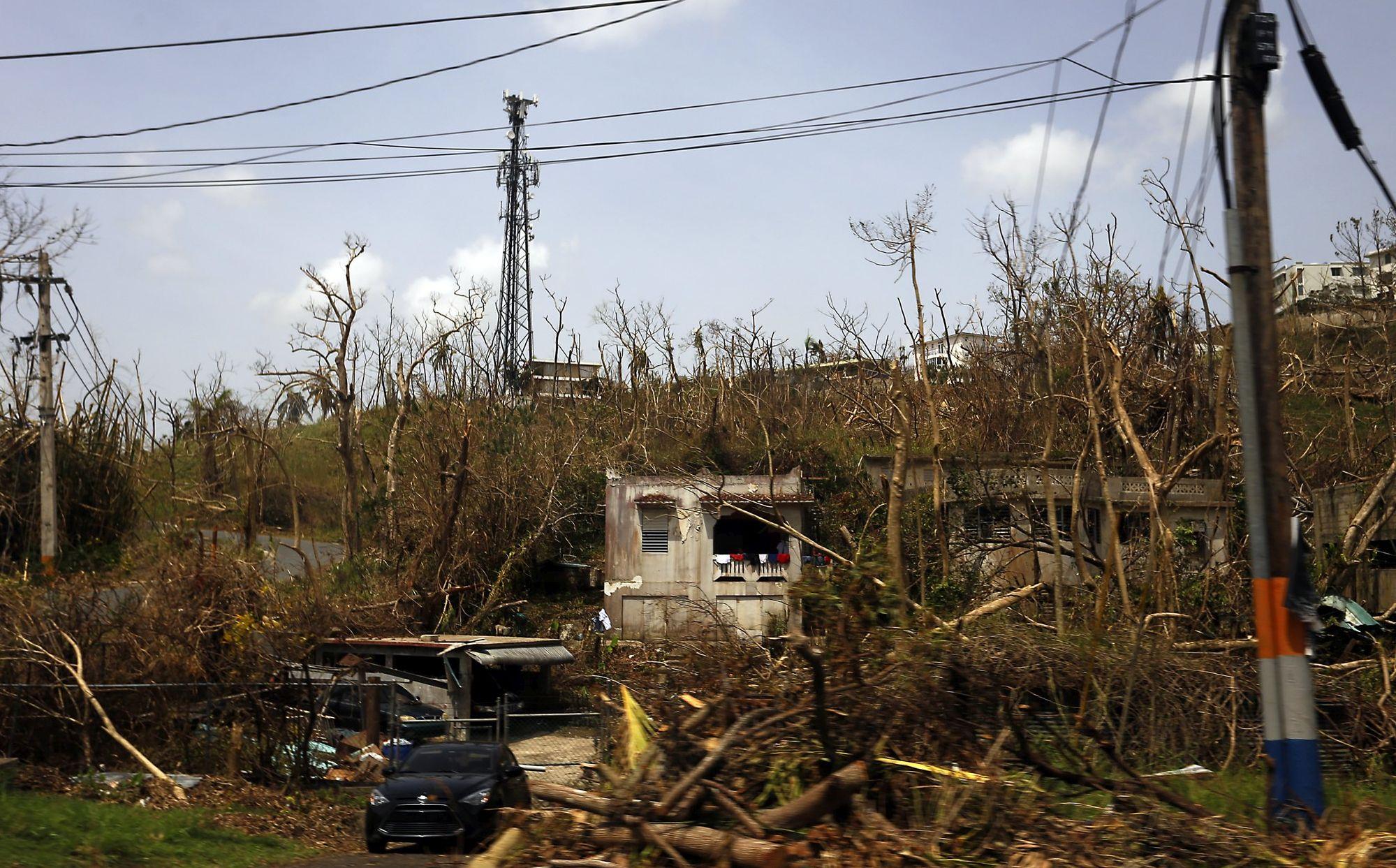 Trump optužuje Portorikance za loše upravljanje nakon uragana Marije