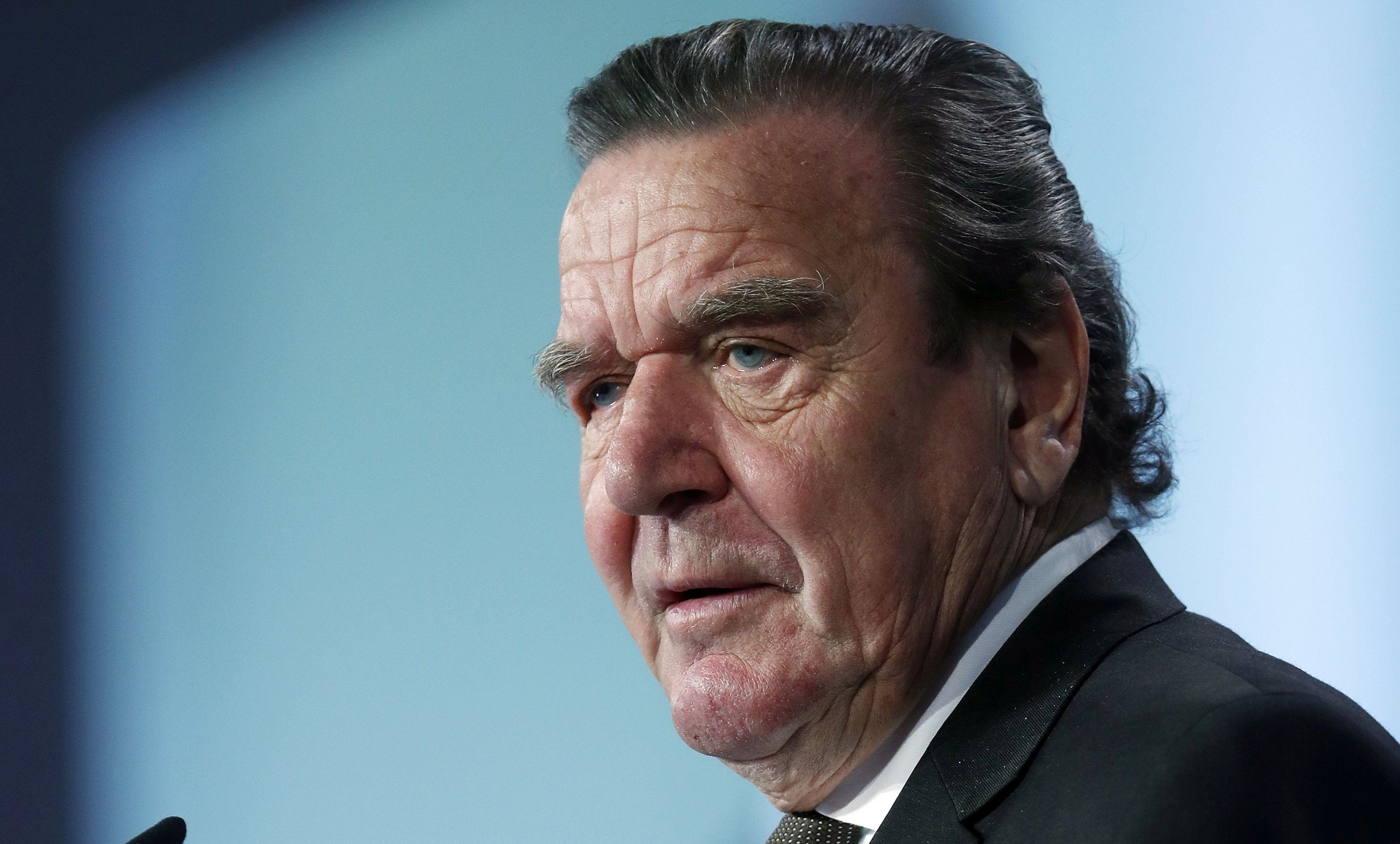 Ruska tvrtka Rosneft izabrala bivšeg njemačkog kancelara Schroedera za predsjednika