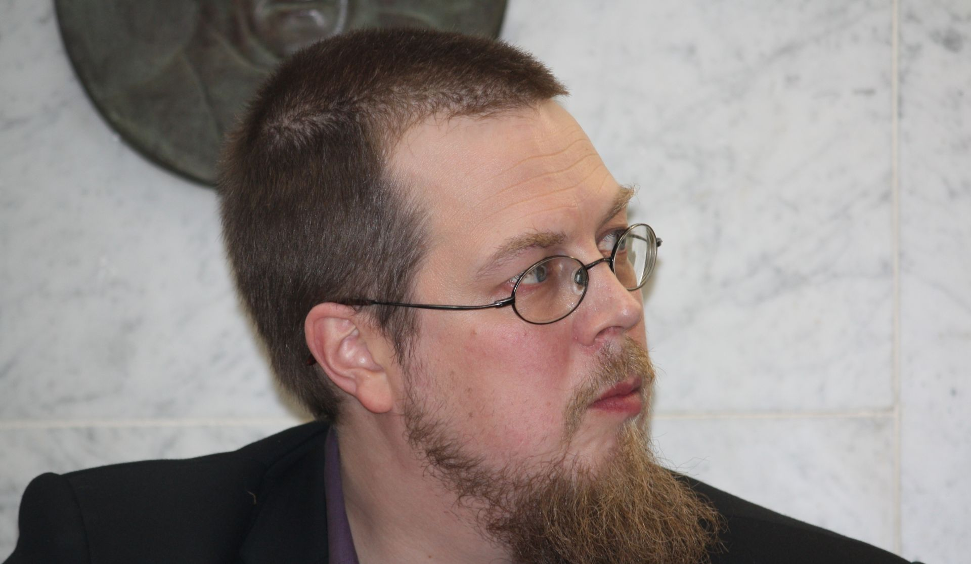 """TUOMAS KYRO """"Finska je toliko mala zemlja da, želite li se profesionalno baviti pisanjem, morate biti spremni raditi sve – pisati za televiziju, radio, novine, razne publikacije, filmove"""""""